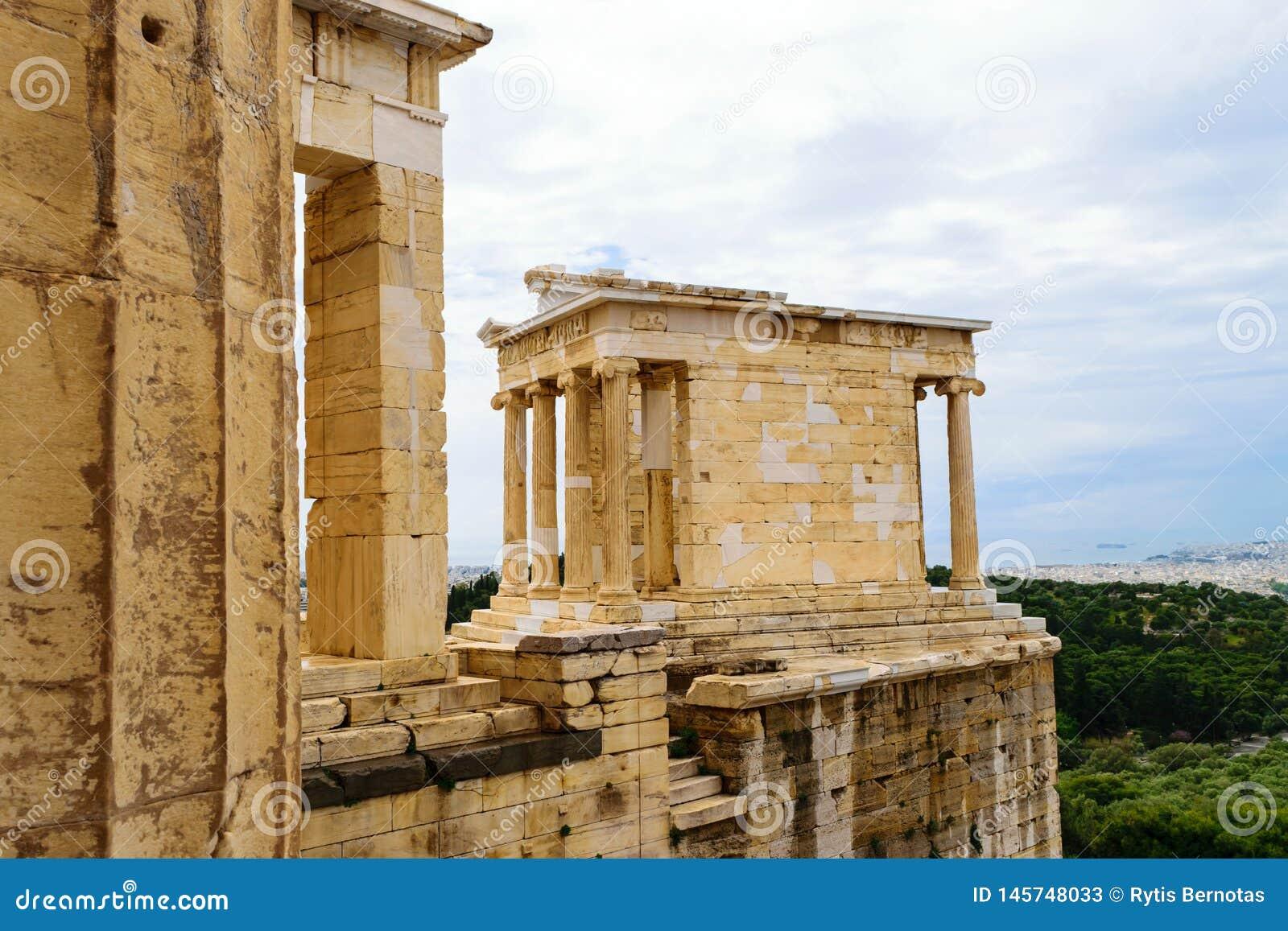 Ναός Αθηνάς Nike στο λόφο ακρόπολη