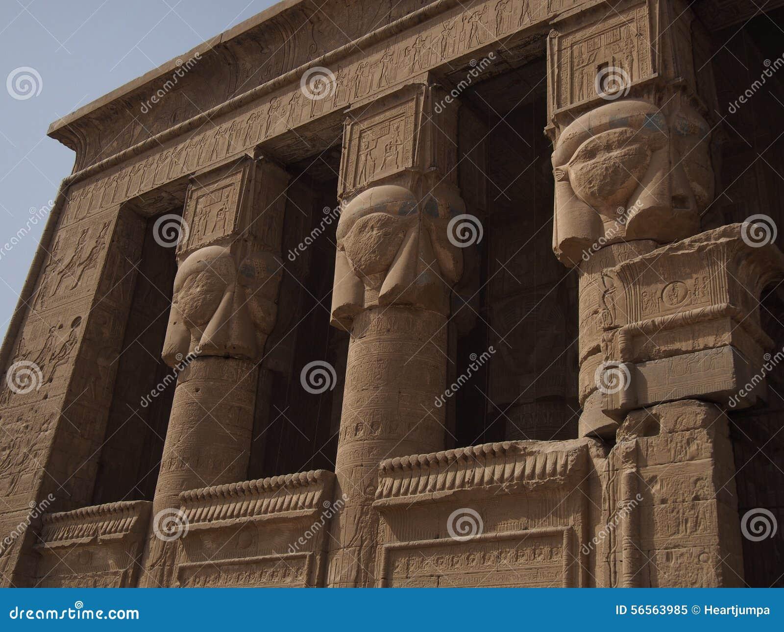 Download Ναός Dendera στοκ εικόνα. εικόνα από ναός, πρόσοψη, κληρονομιά - 56563985