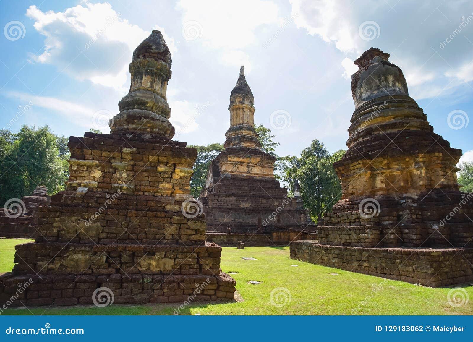 Ναός Jedi Jed Teaw Wat στην επαρχία Sukhothai, Ταϊλάνδη