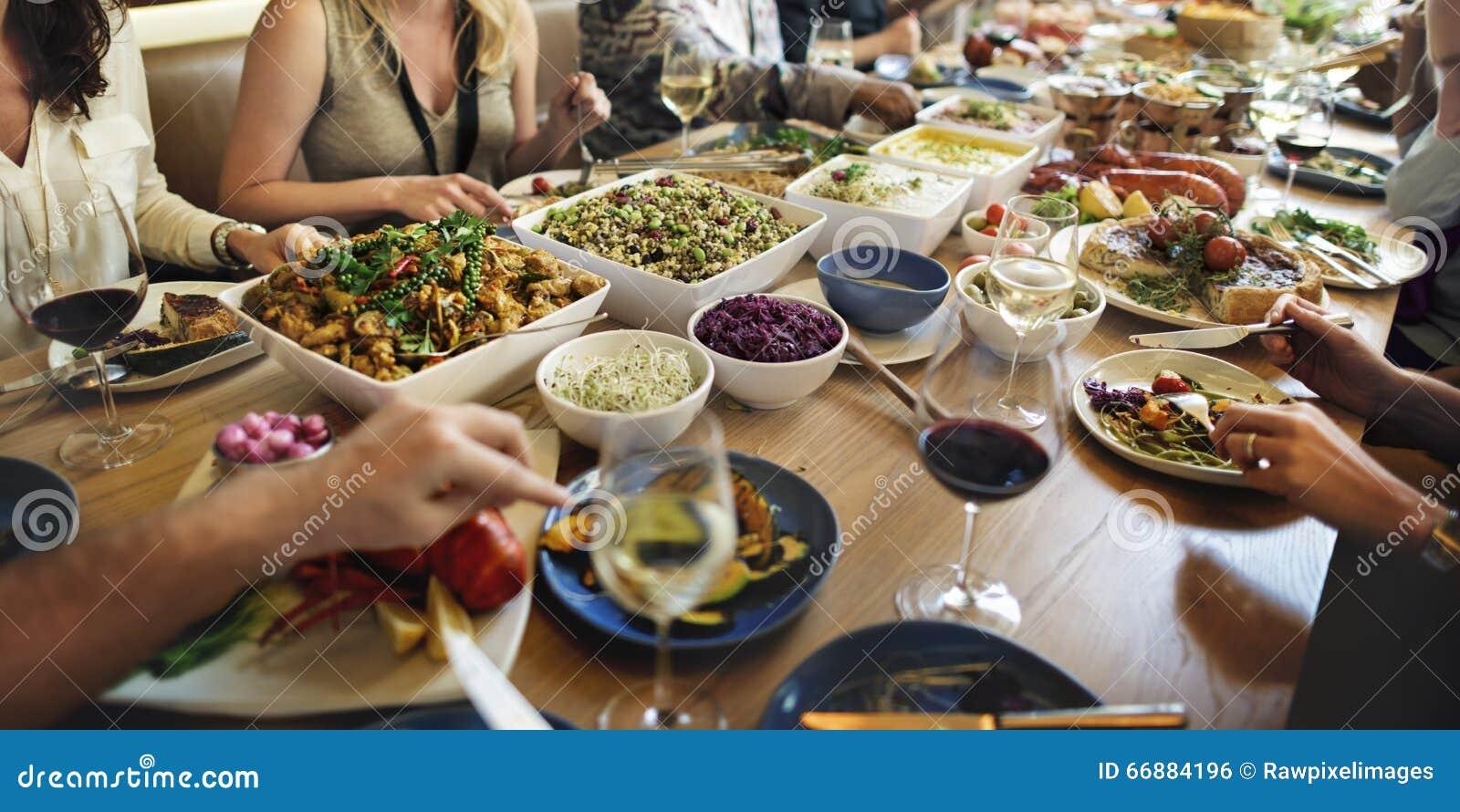 Να δειπνήσει γευμάτων μπουφέδων έννοια κόμματος εορτασμού τροφίμων