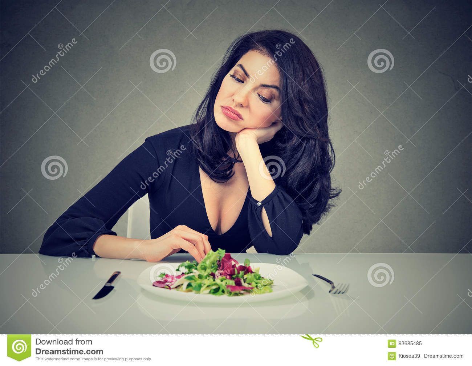 Να κάνει δίαιτα αλλαγές συνηθειών Η γυναίκα μισεί τη χορτοφάγο διατροφή