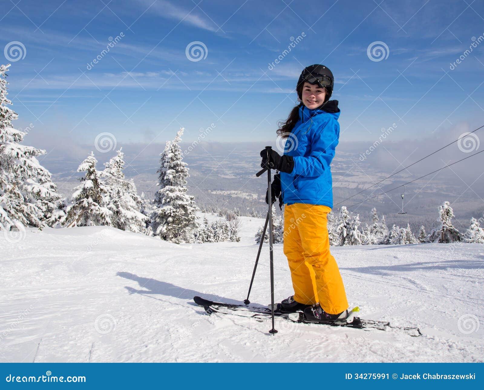 Να κάνει σκι έφηβη