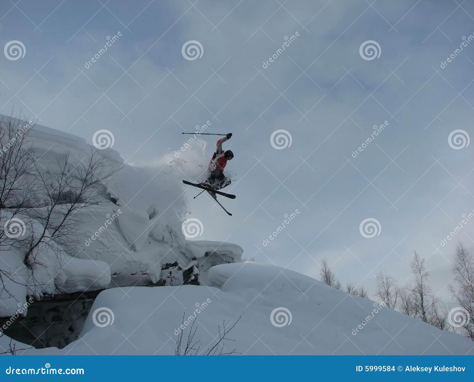 να κάνει σκι βουνών πηδήματ&o