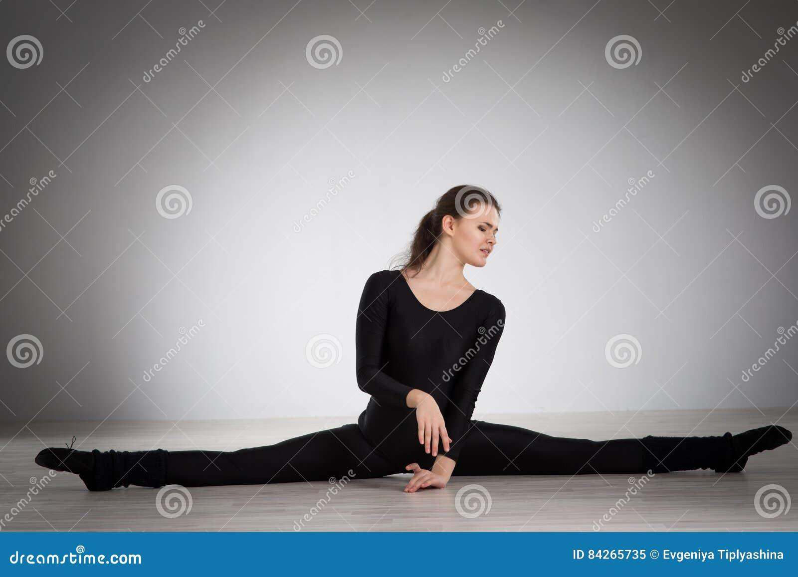 να κάνει τη γυμναστική κορ