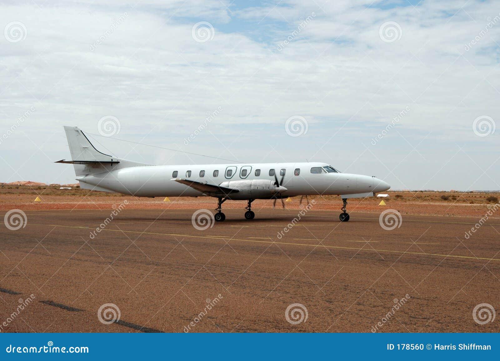 να μετακινηθεί με ταξί αεροπλάνων
