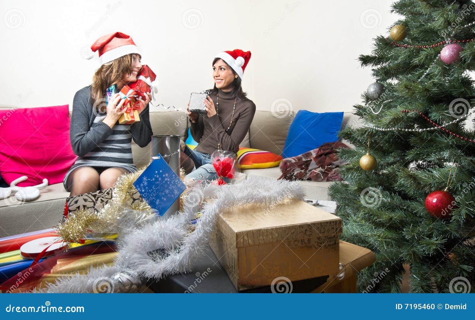 να προετοιμαστεί φίλων Χριστουγέννων παρουσιάζει