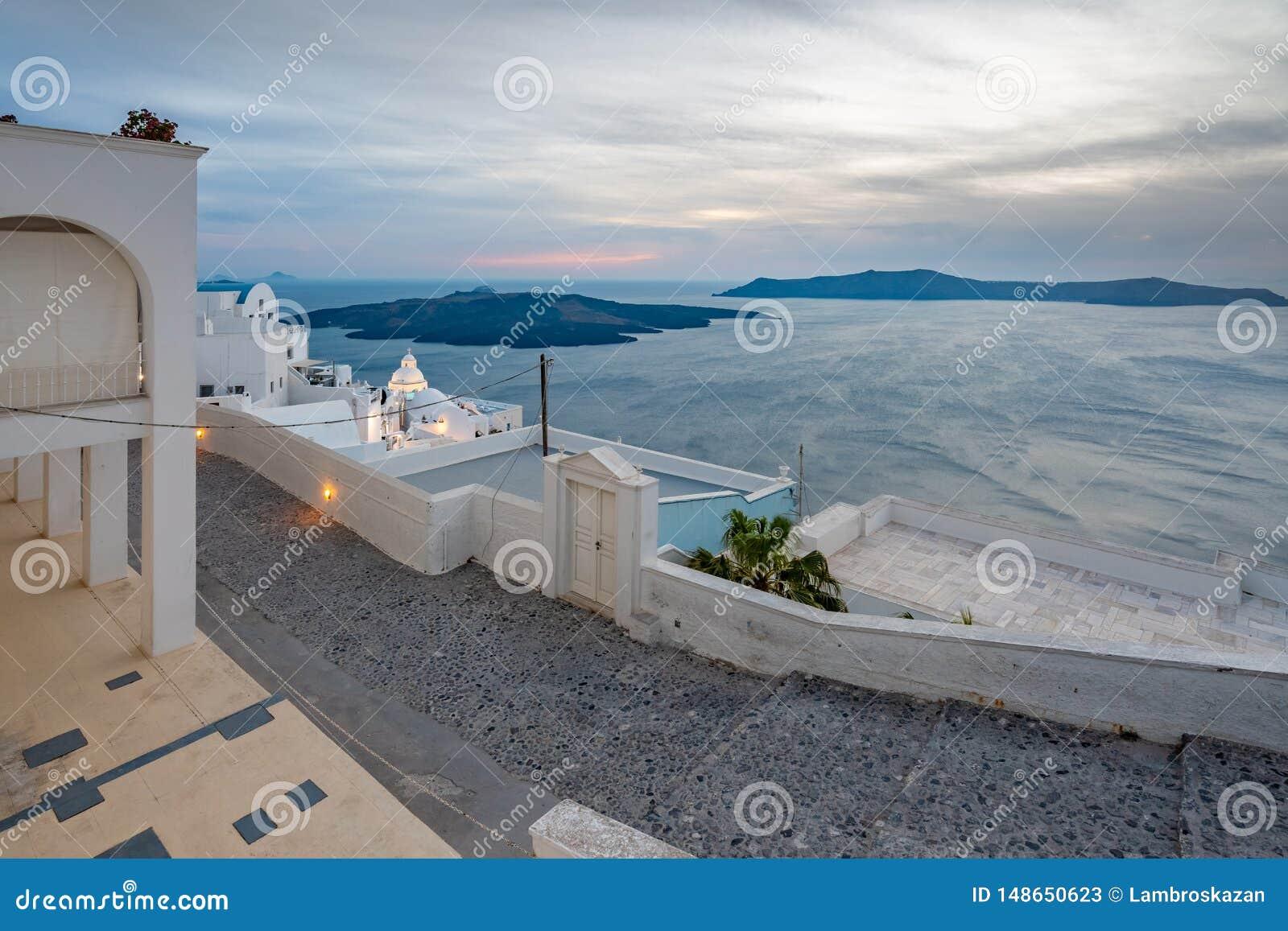 Νησί Santorini στην Ελλάδα, ένας από τους ομορφότερους προορισμούς ταξιδιού του κόσμου Θέση Fira