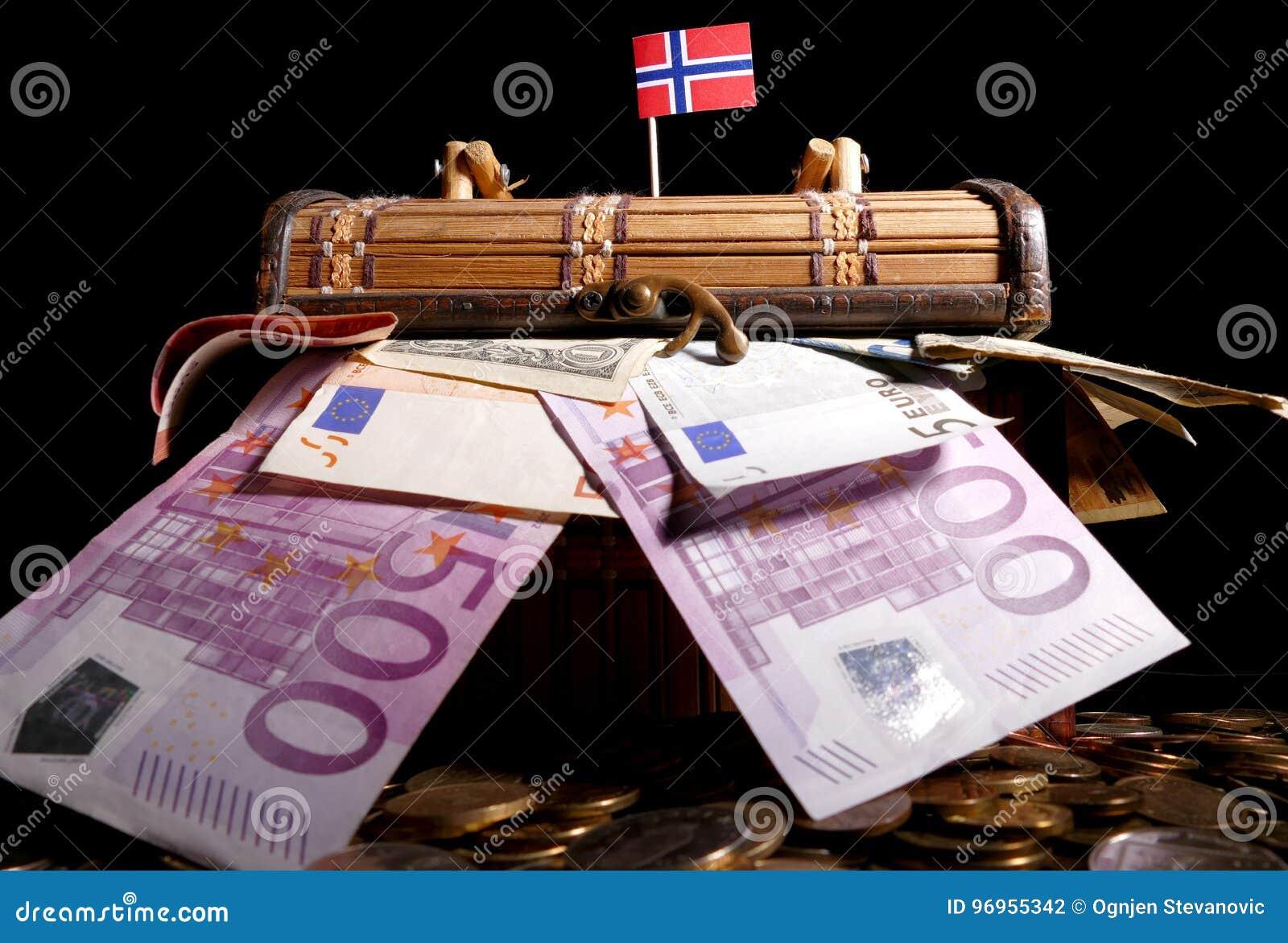 Νορβηγική σημαία πάνω από το κλουβί