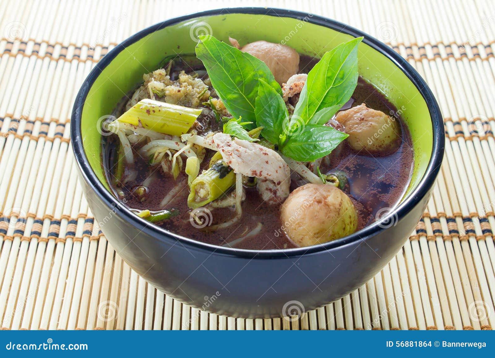 Νουντλς των παραδοσιακών ταϊλανδικών τροφίμων