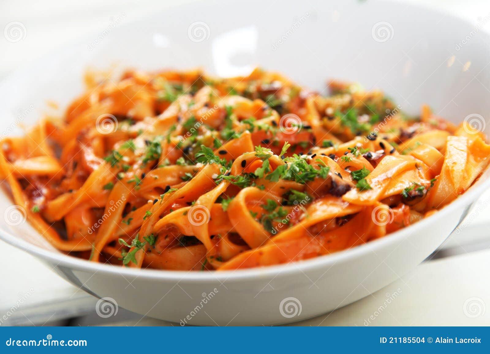 ντομάτα σάλτσας ζυμαρικών
