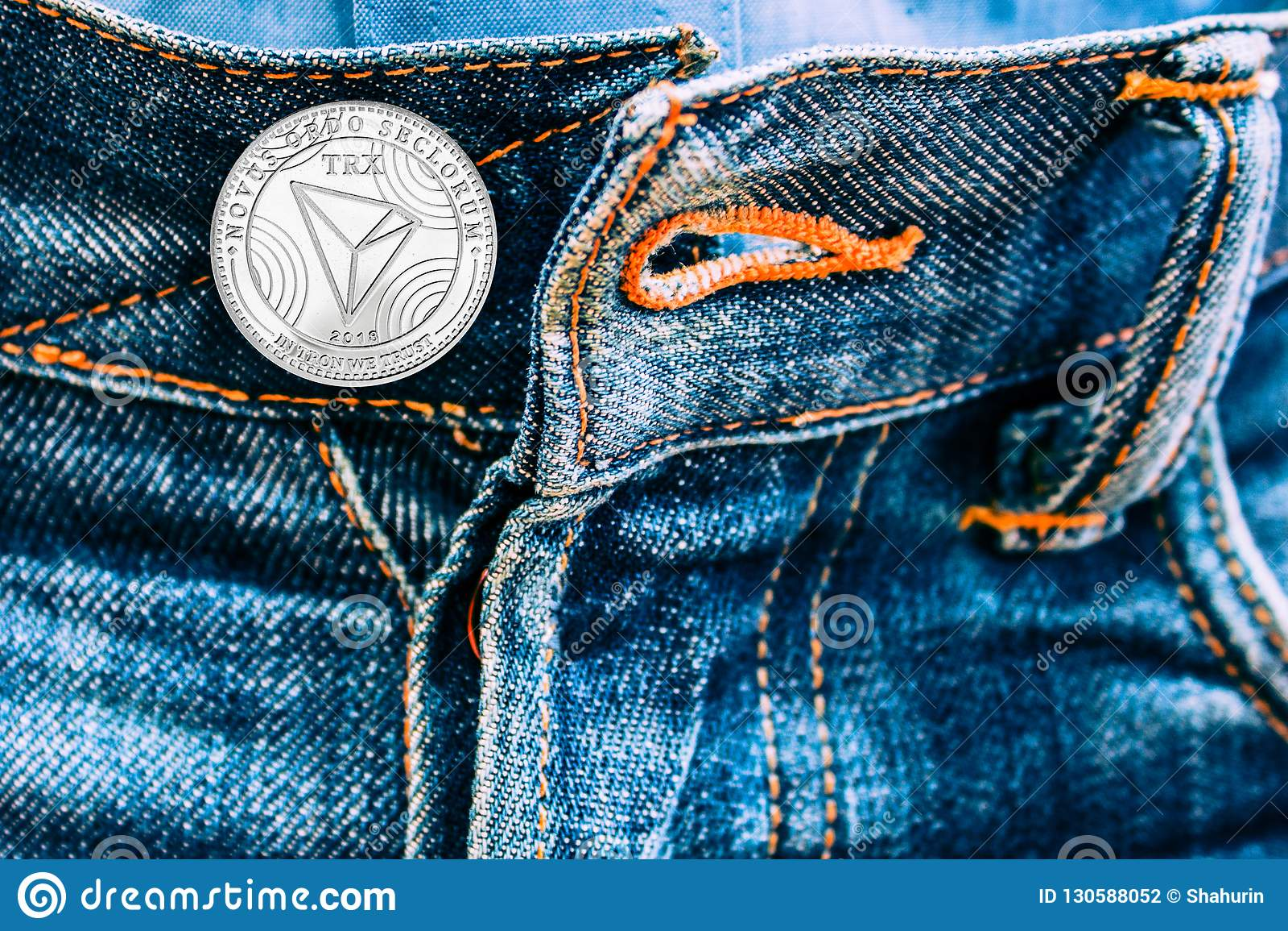 Νόμισμα Trx αντί των κουμπιών στα τζιν