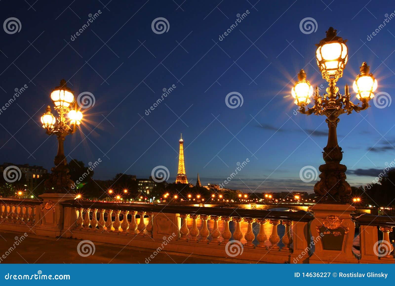 νύχτα Παρίσι εικονικής παρά
