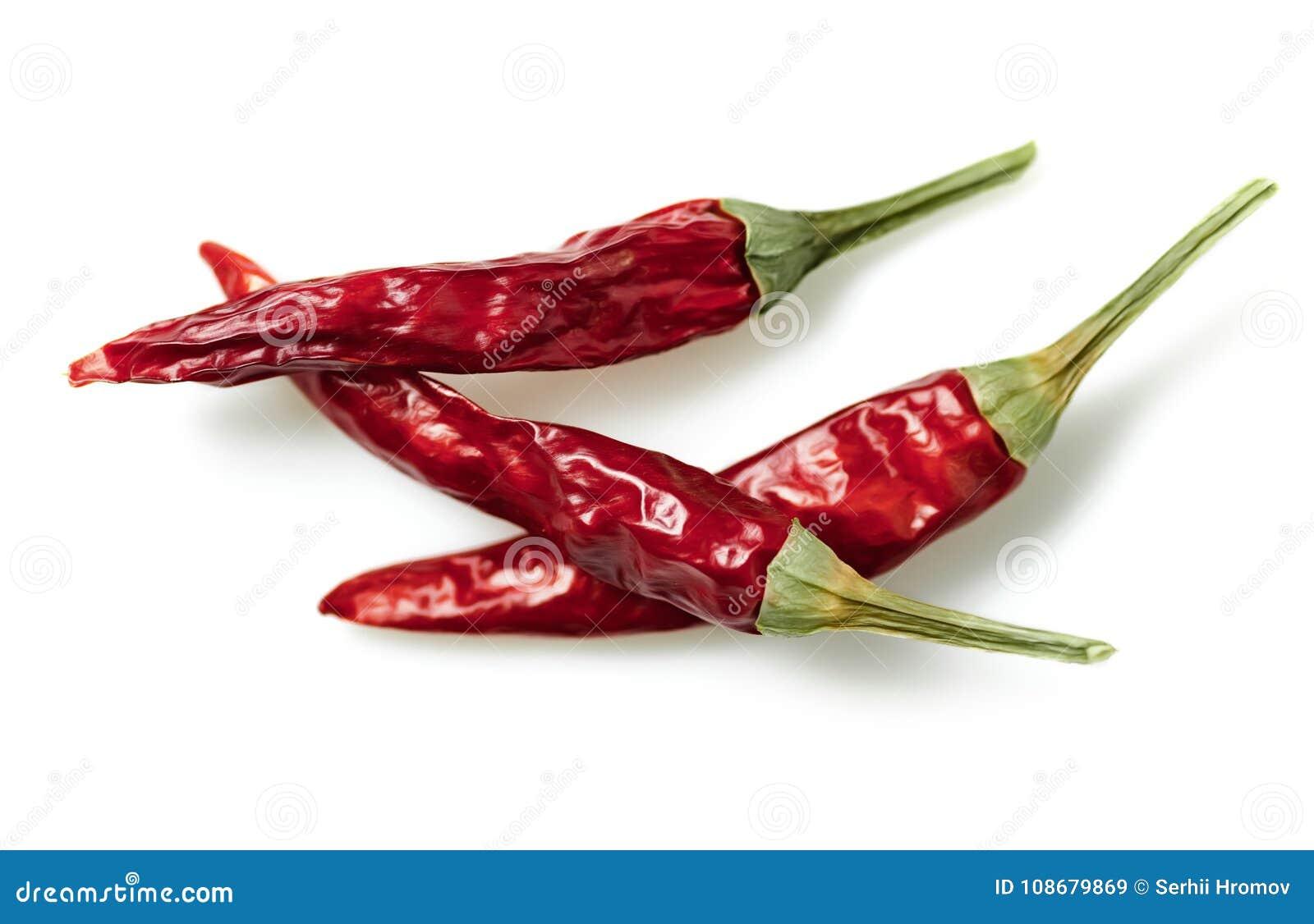 Ξηρό κόκκινο πιπέρι του Cayenne τσίλι ή τσίλι που απομονώνεται στην άσπρη διακοπή υποβάθρου