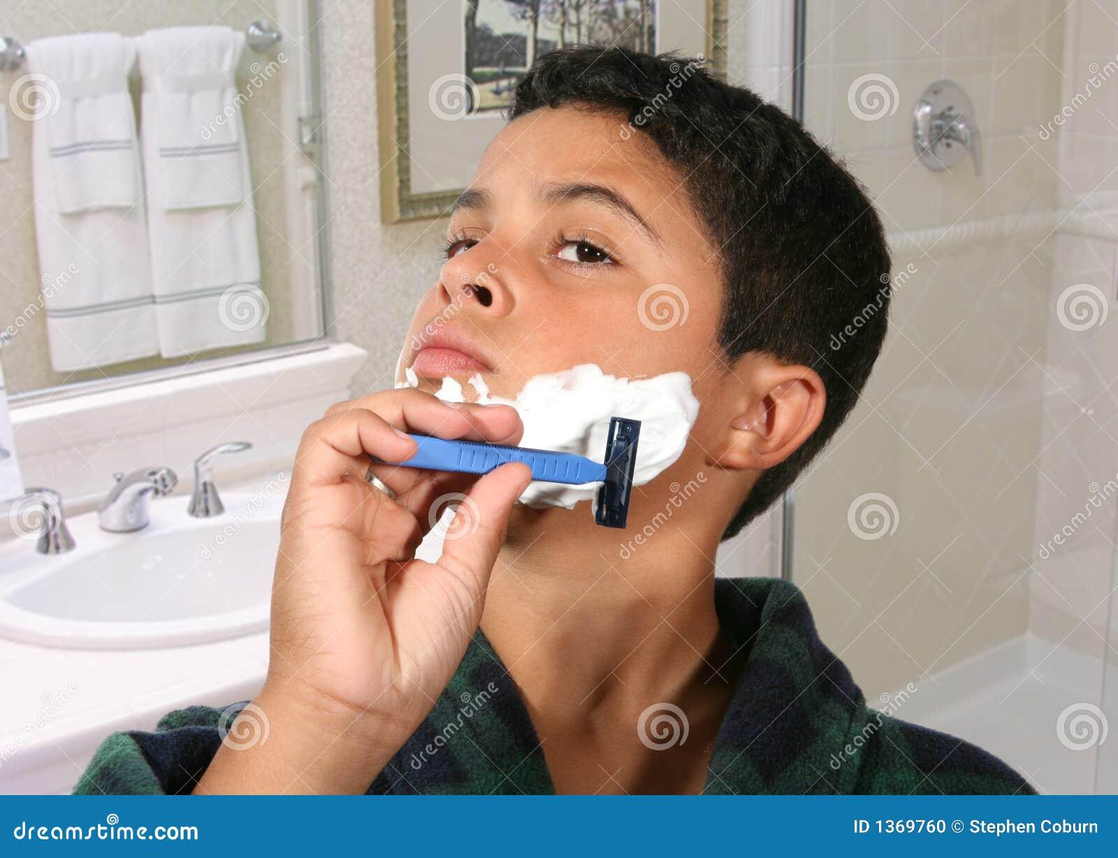 ξυρίζοντας νεολαίες αγ&