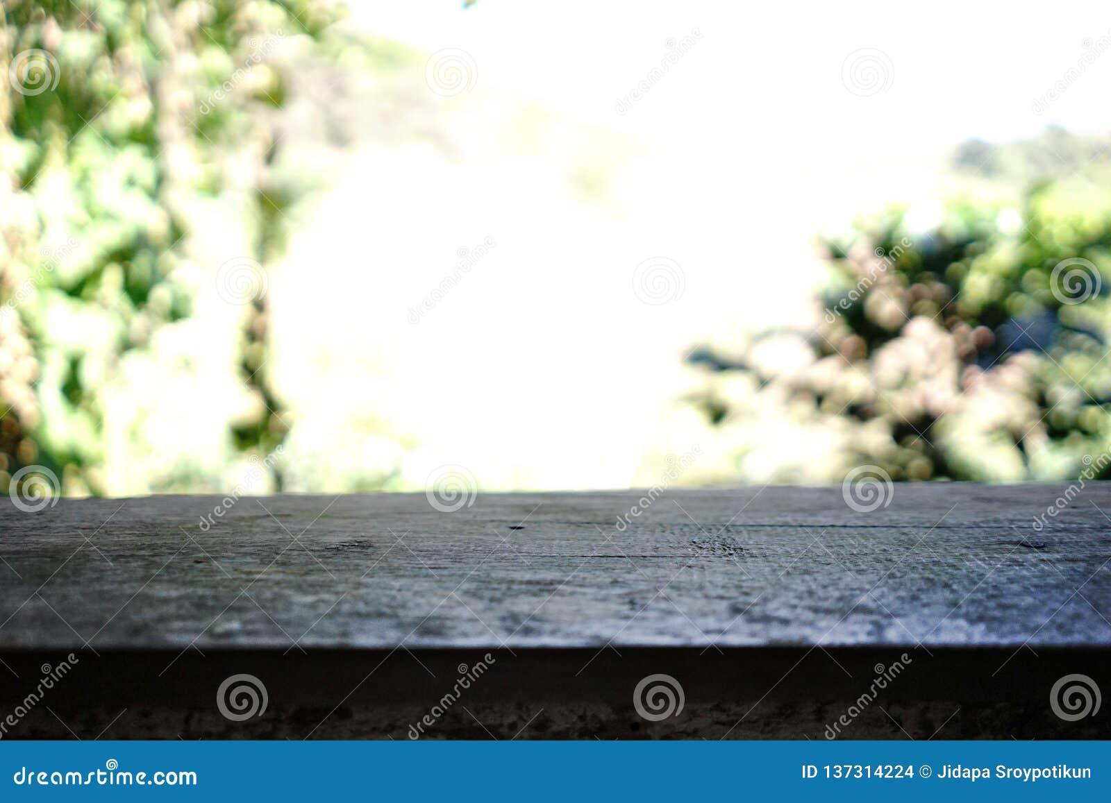 Ξύλινα μπαλκόνι και υπόβαθρο Bokeh