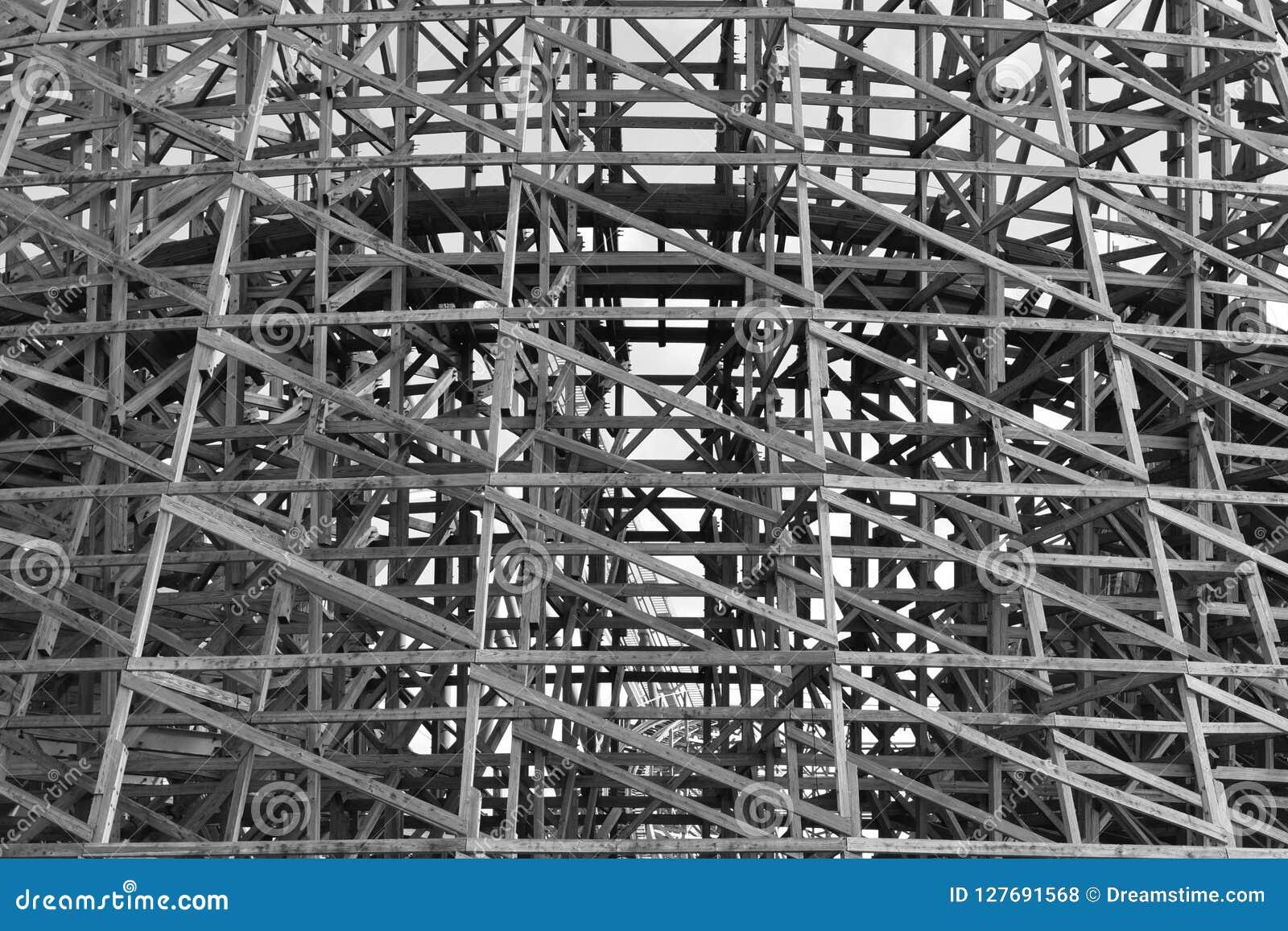 Ξύλινη δομή υποστήριξης ρόλερ κόστερ