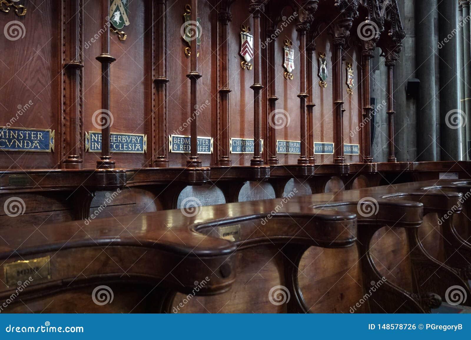 Ξύλινοι στάβλοι χορωδιών στον καθεδρικό ναό του Σαλίσμπερυ