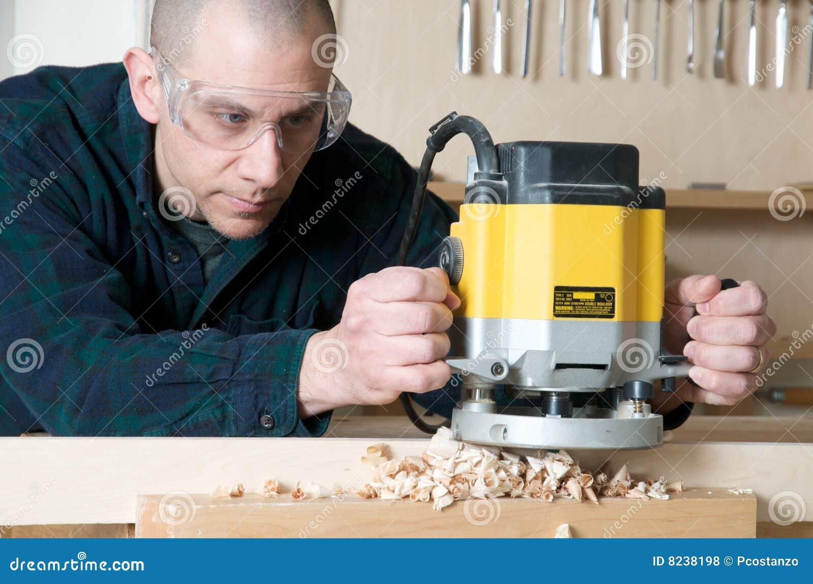 ξύλινος εργαζόμενος
