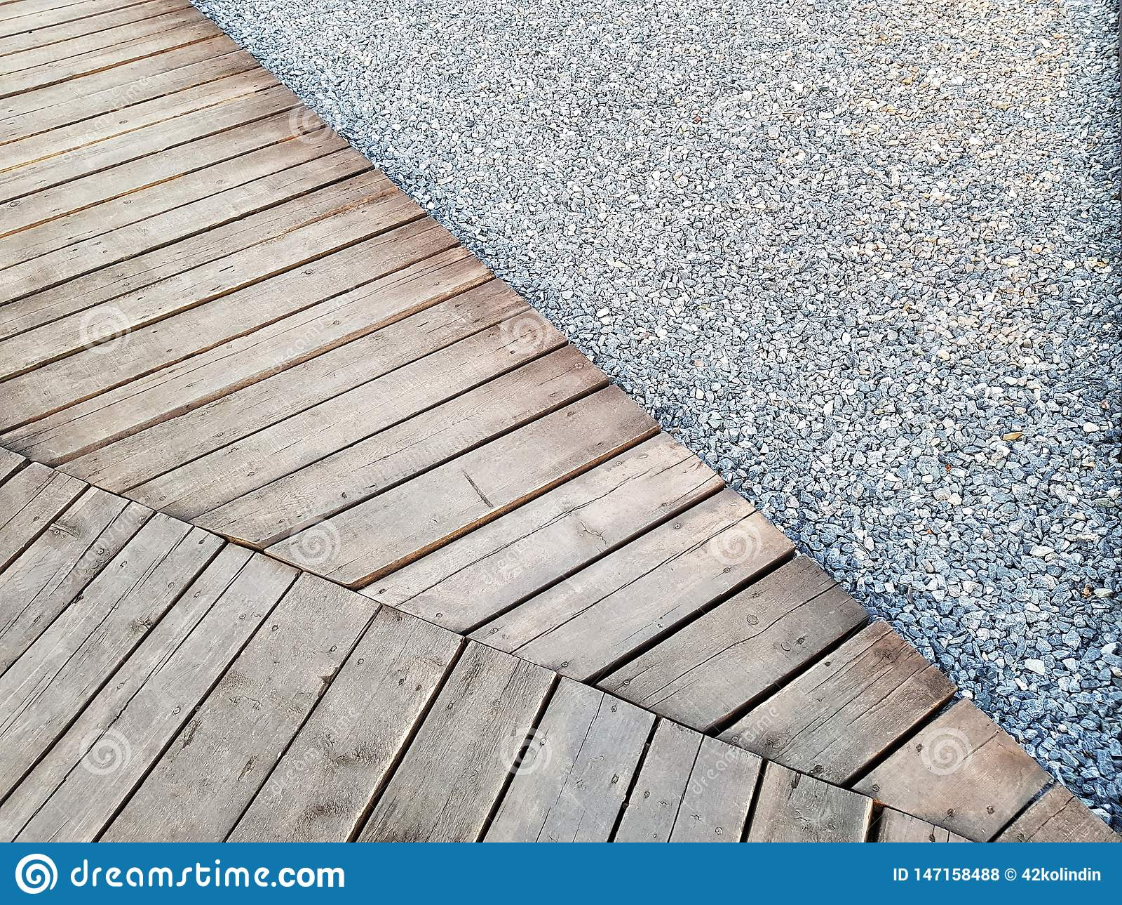 Ξύλινο πεζοδρόμιο αμμοχάλικου μονοπατιών ξυλείας