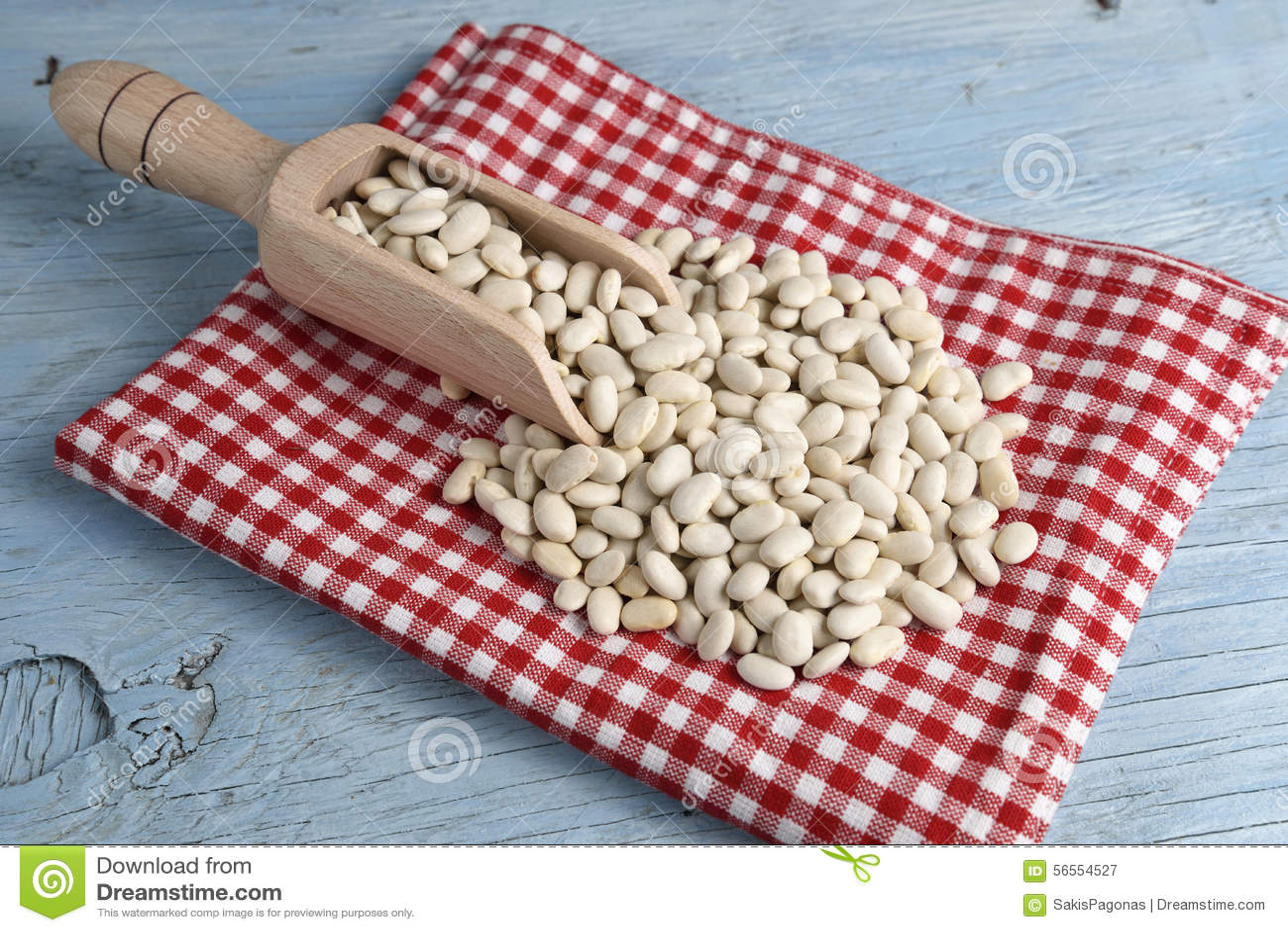Download Ξύλινη σέσουλα με τα άσπρα φασόλια Στοκ Εικόνα - εικόνα από μάγειρας, φυτικός: 56554527