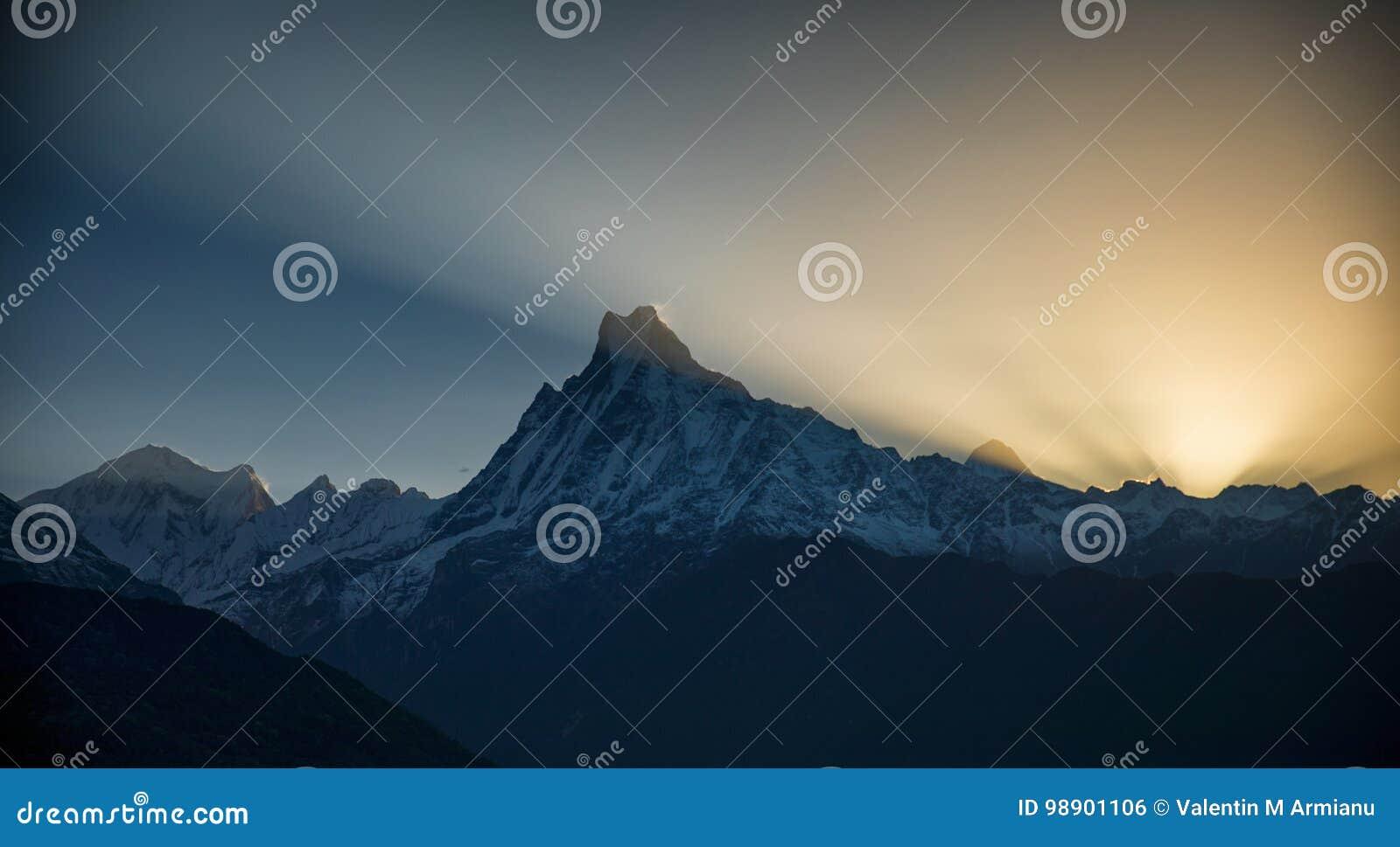 Οδοιπορικό κυκλωμάτων Annapurna ανατολής