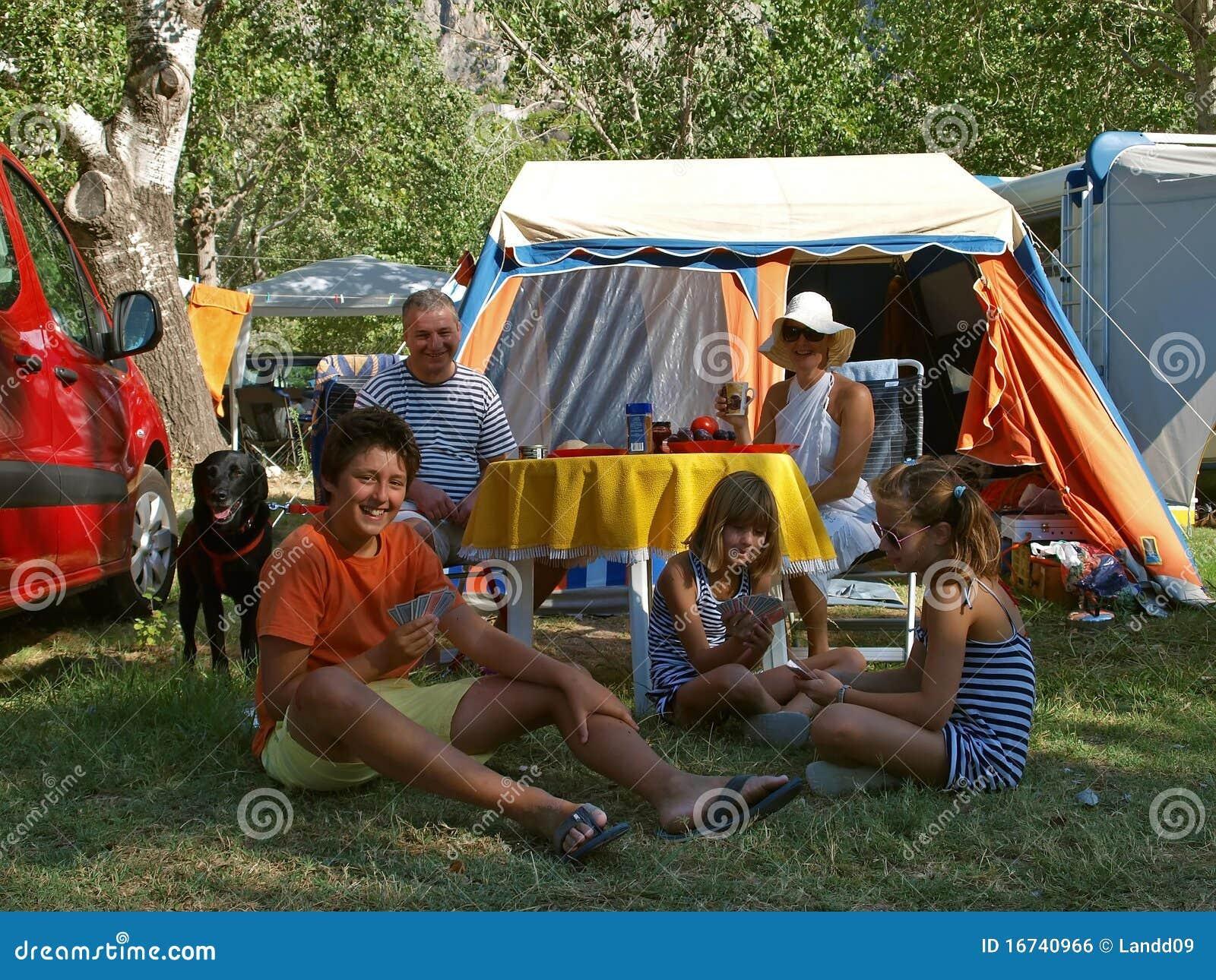 οικογένεια σκυλιών στρ&alp