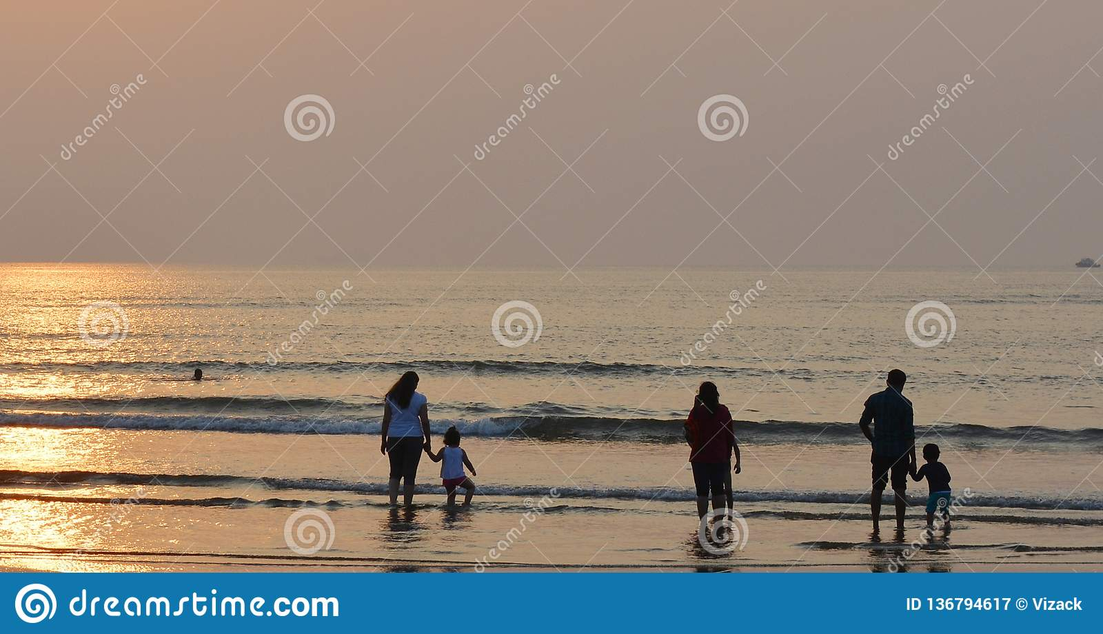 Οικογένειες σε μια παραλία
