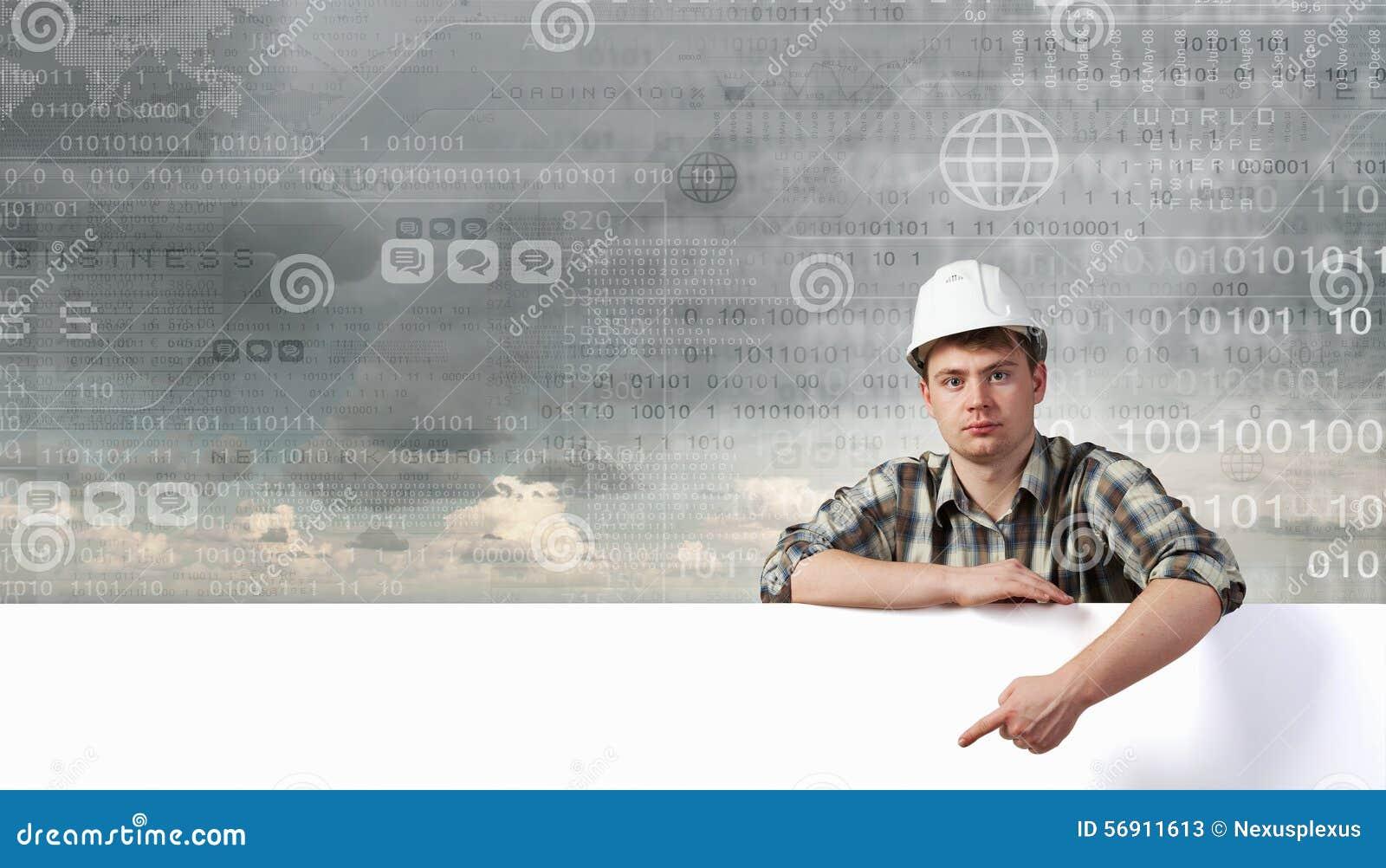 Οικοδόμος με τον πίνακα διαφημίσεων