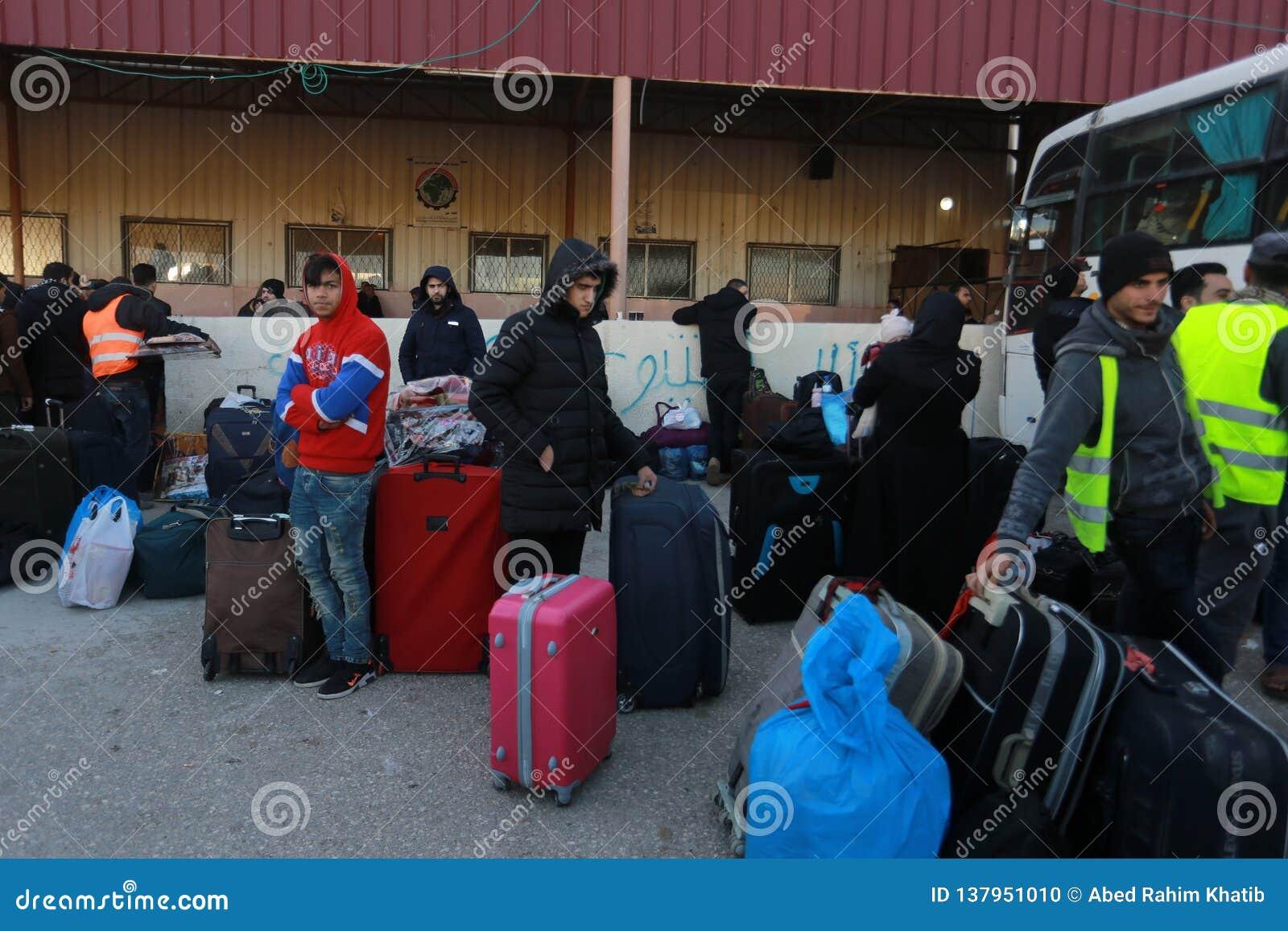 Οι αιγυπτιακές αρχές ανοίγουν πάλι το μόνο επιβάτη που διασχίζει μεταξύ του Γάζα και της Αιγύπτου και στις δύο κατευθύνσεις σήμερ