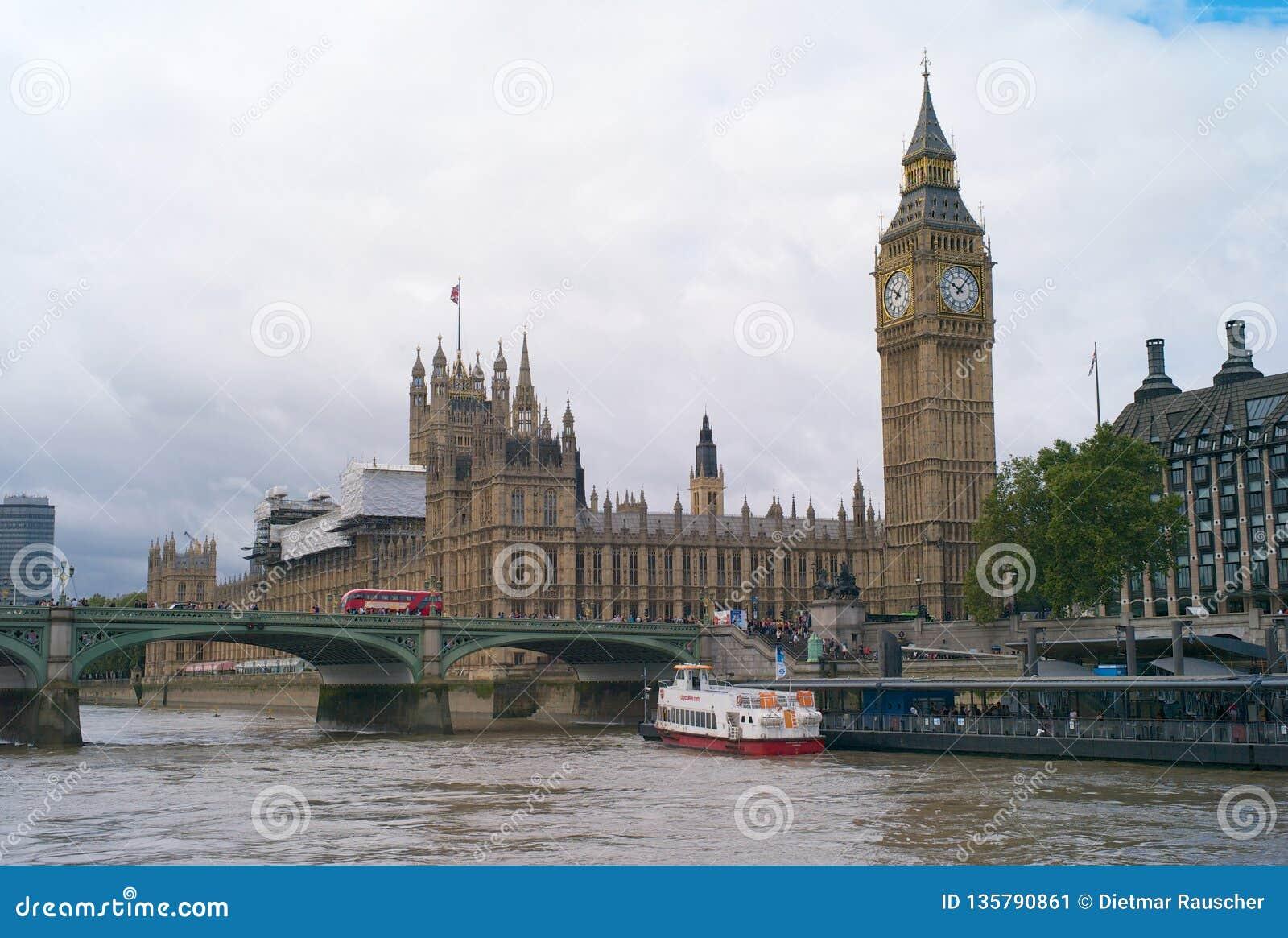 Οι Βουλές του Κοινοβουλίου και Big Ben στο Λονδίνο