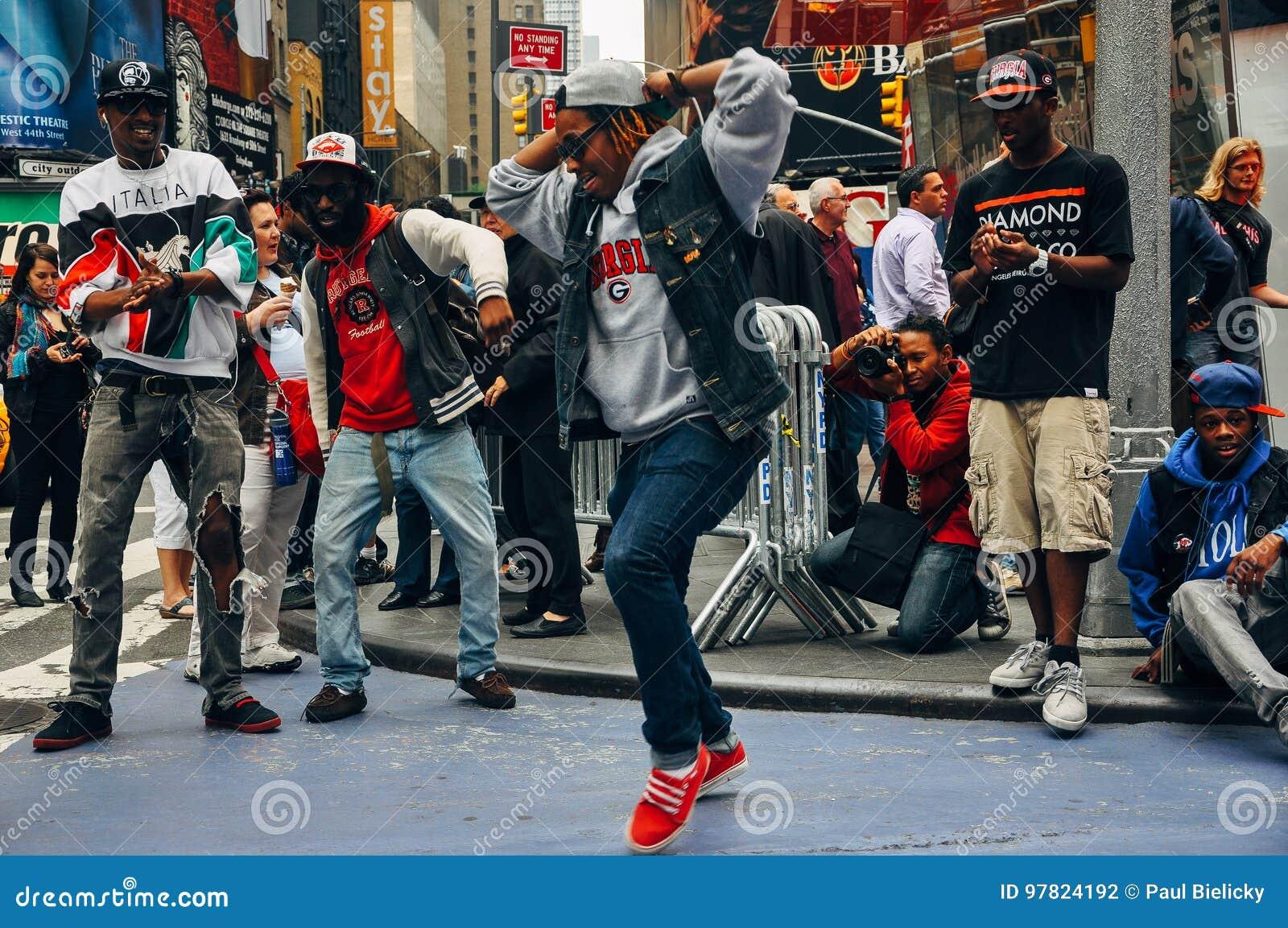 Οι εκτελεστές οδών τακτοποιούν κατά περιόδους, πόλη της Νέας Υόρκης