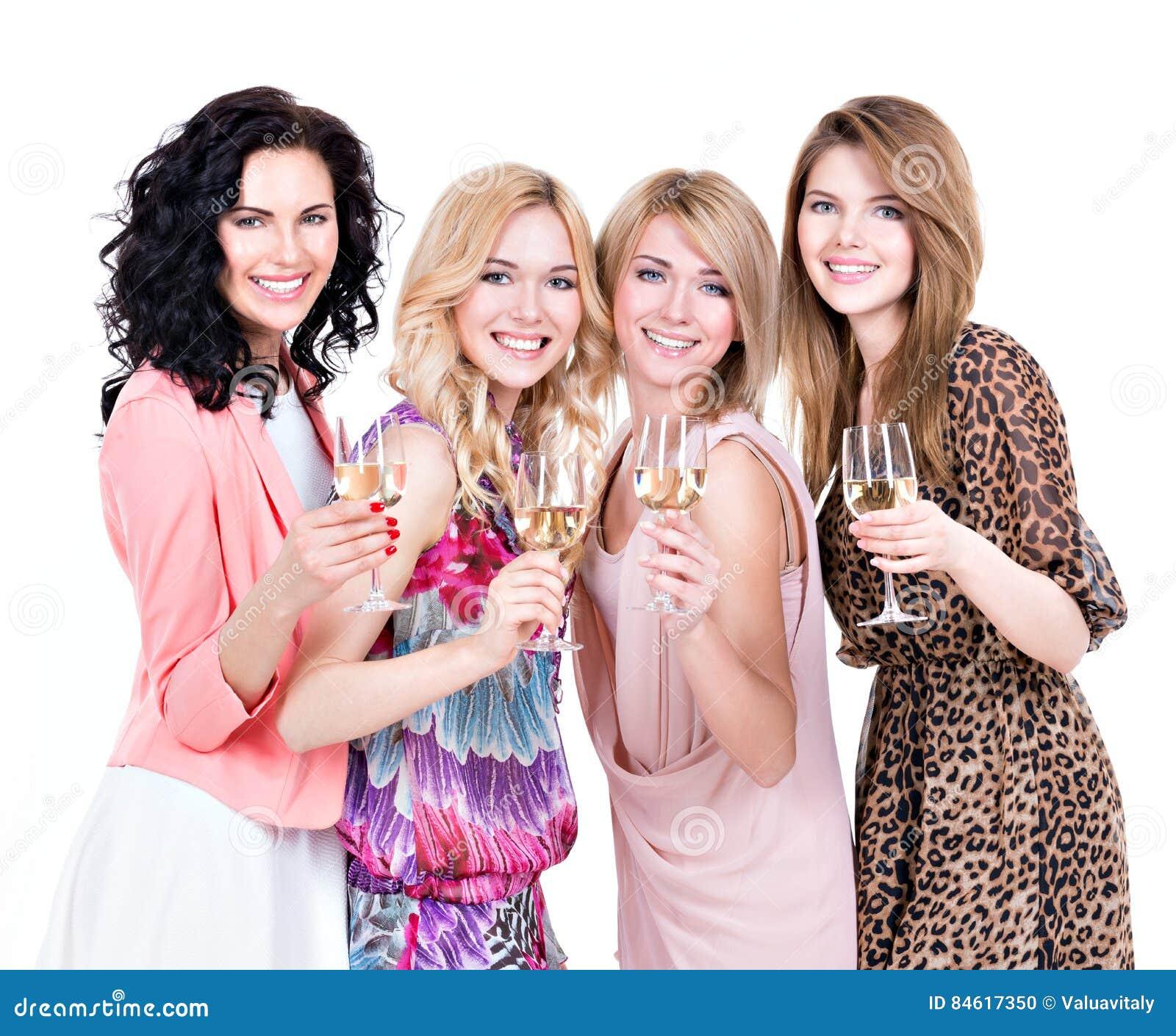 Οι νέες όμορφες γυναίκες ομάδας έχουν το κόμμα