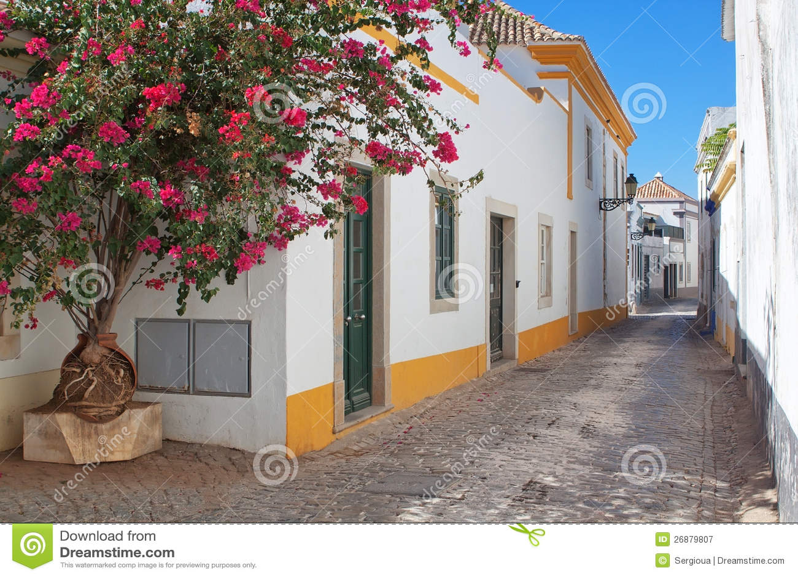 Οι οδοί της παλαιάς πόλης Faro.