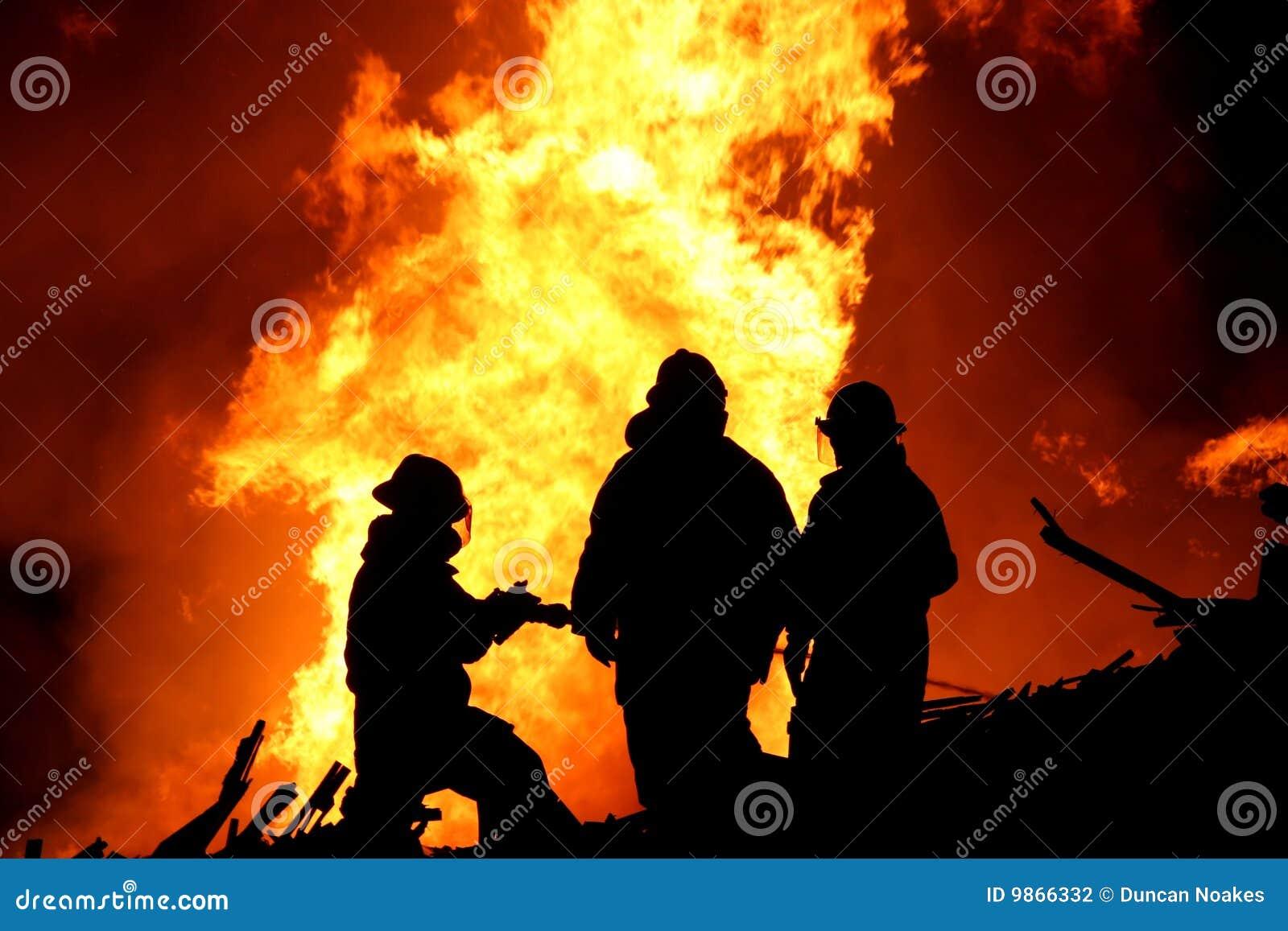 οι πυροσβέστες σκιαγρ&alp