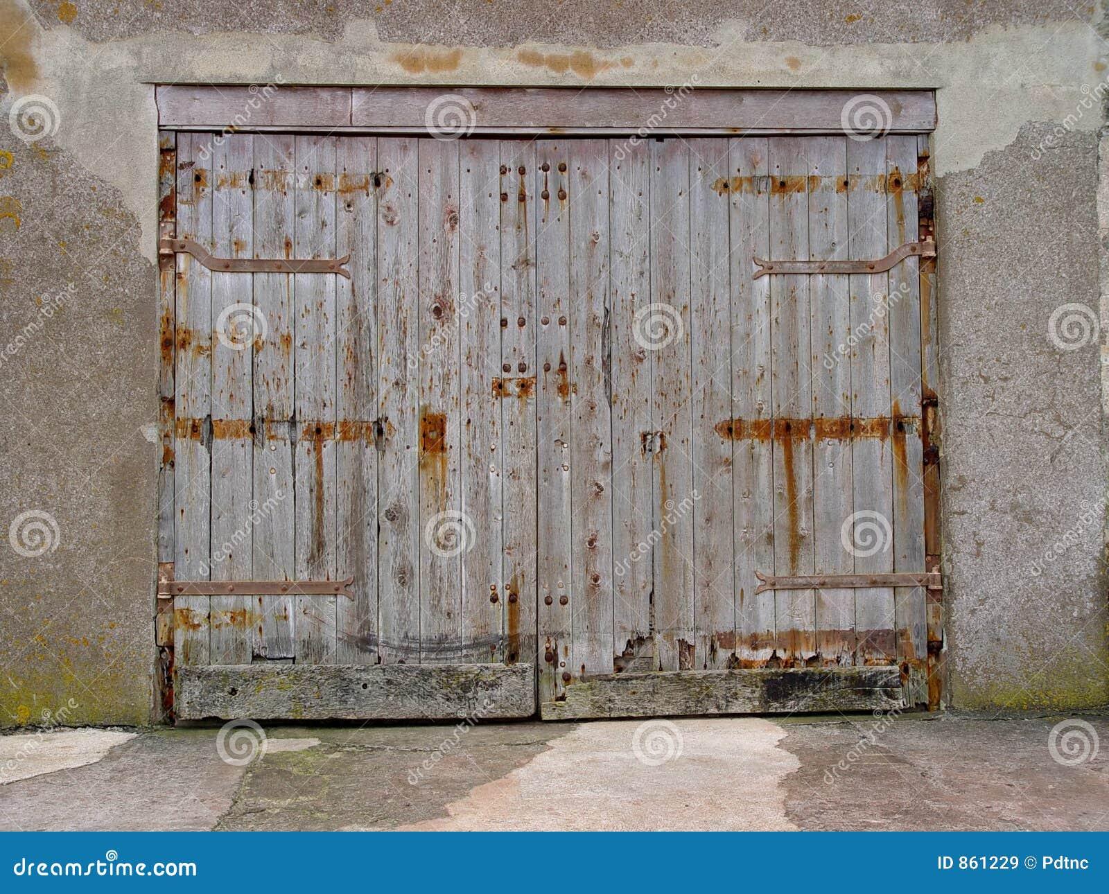 οι πόρτες ξεπέρασαν ξύλινο