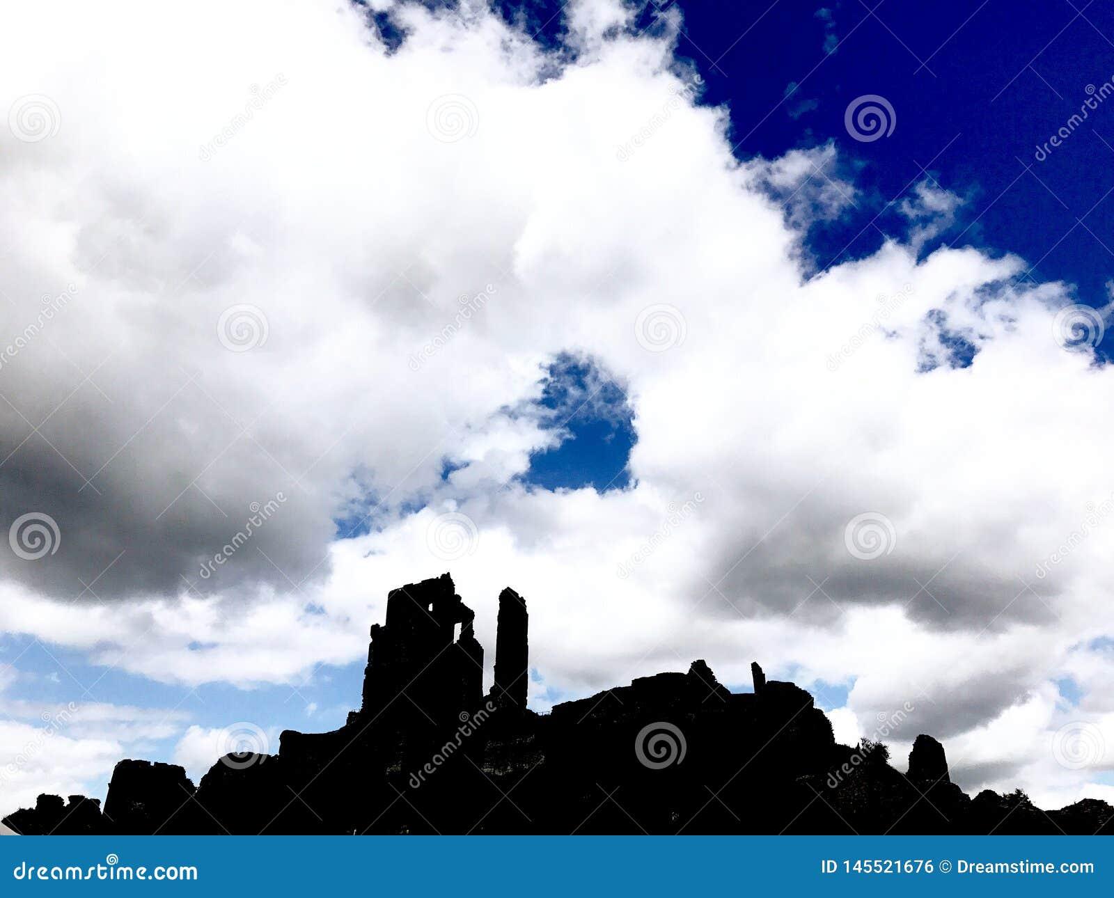 Οι σκιές Corfe Castle