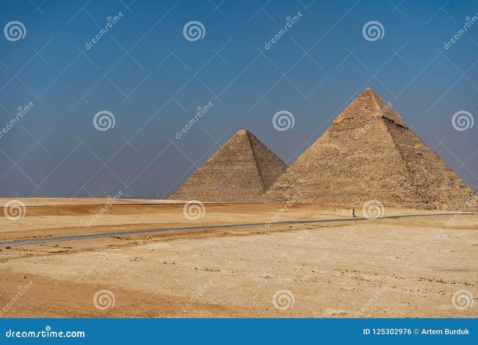 Οι τρεις πυραμίδες της νεκρόπολη Giza, Khufu Cheops, KH