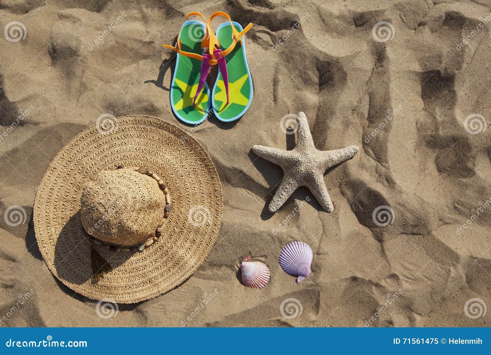Ομάδα αντικειμένων στην άμμο