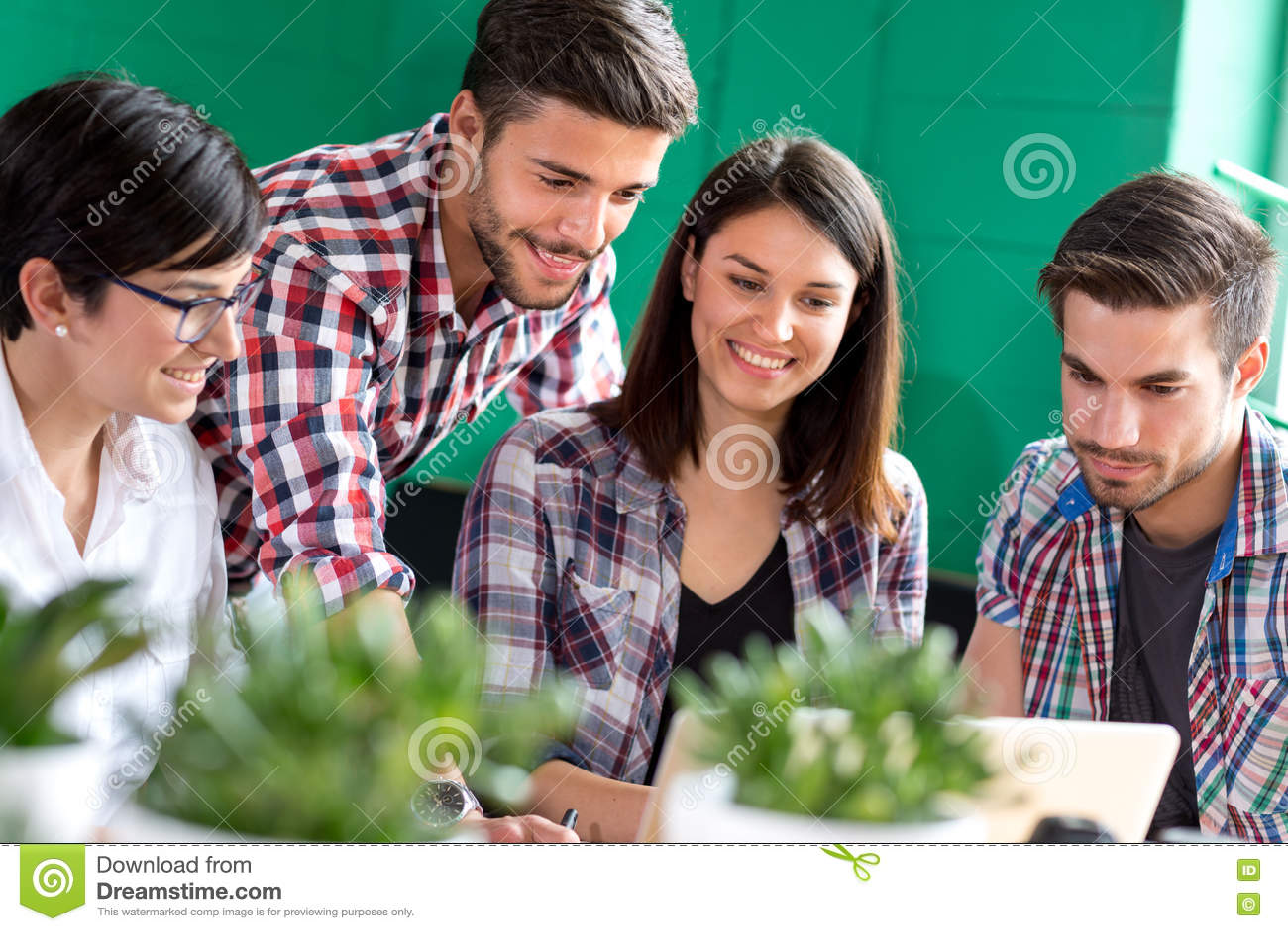 Ομάδα μελέτης νέων