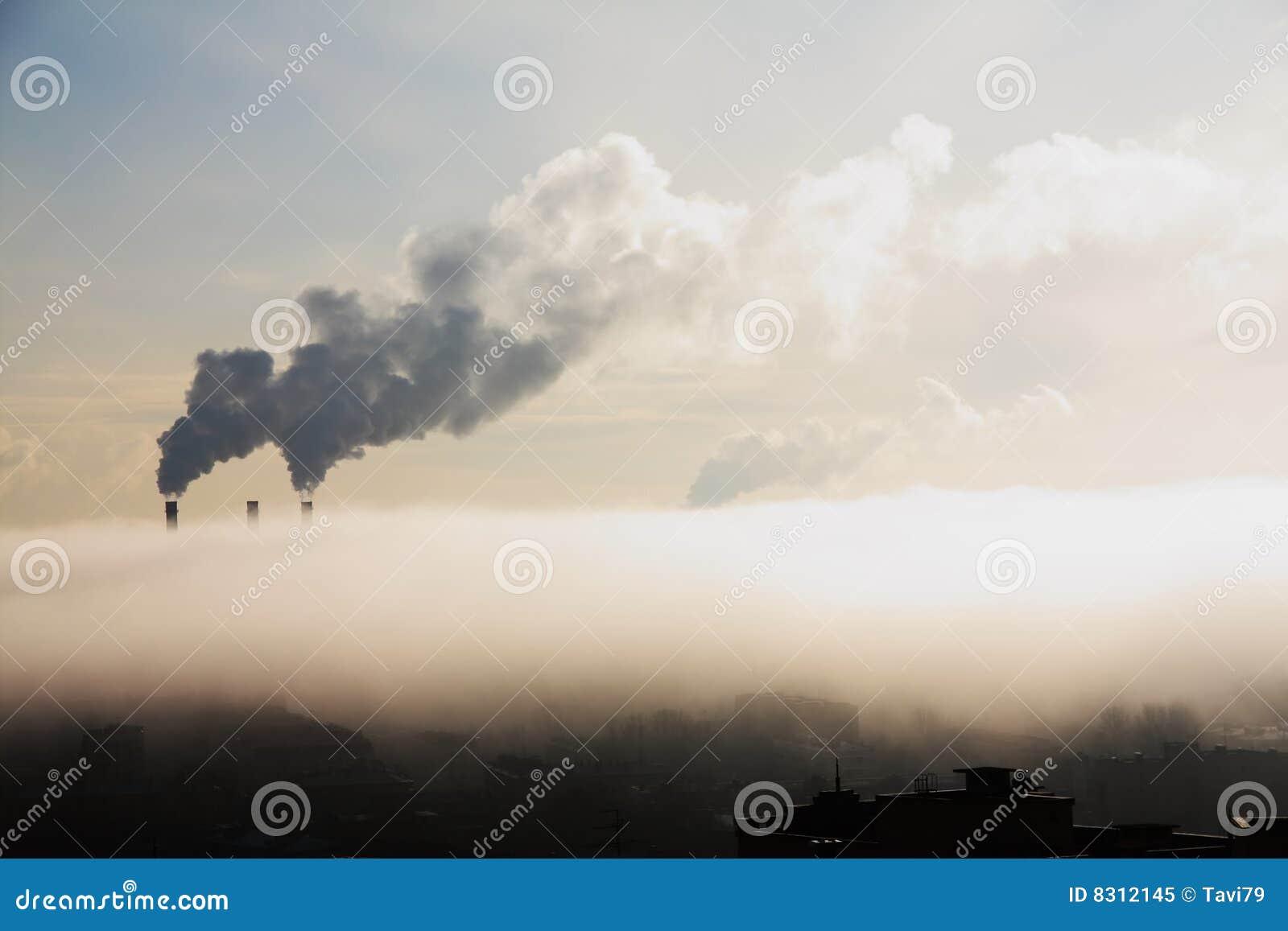ομίχλη πόλεων βιομηχανική
