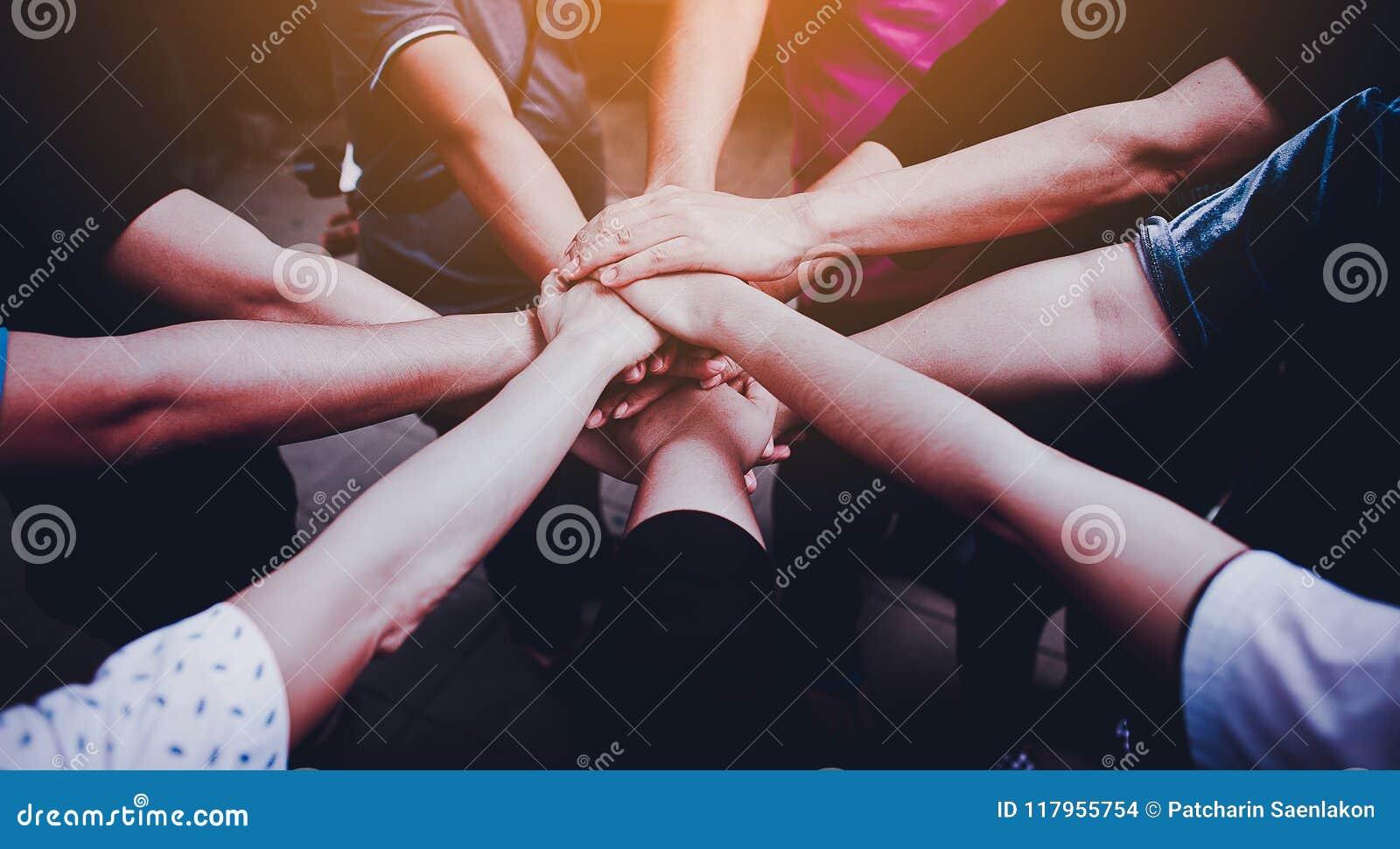 Ομαδική εργασία με τα μπράτσα και τα χέρια μας