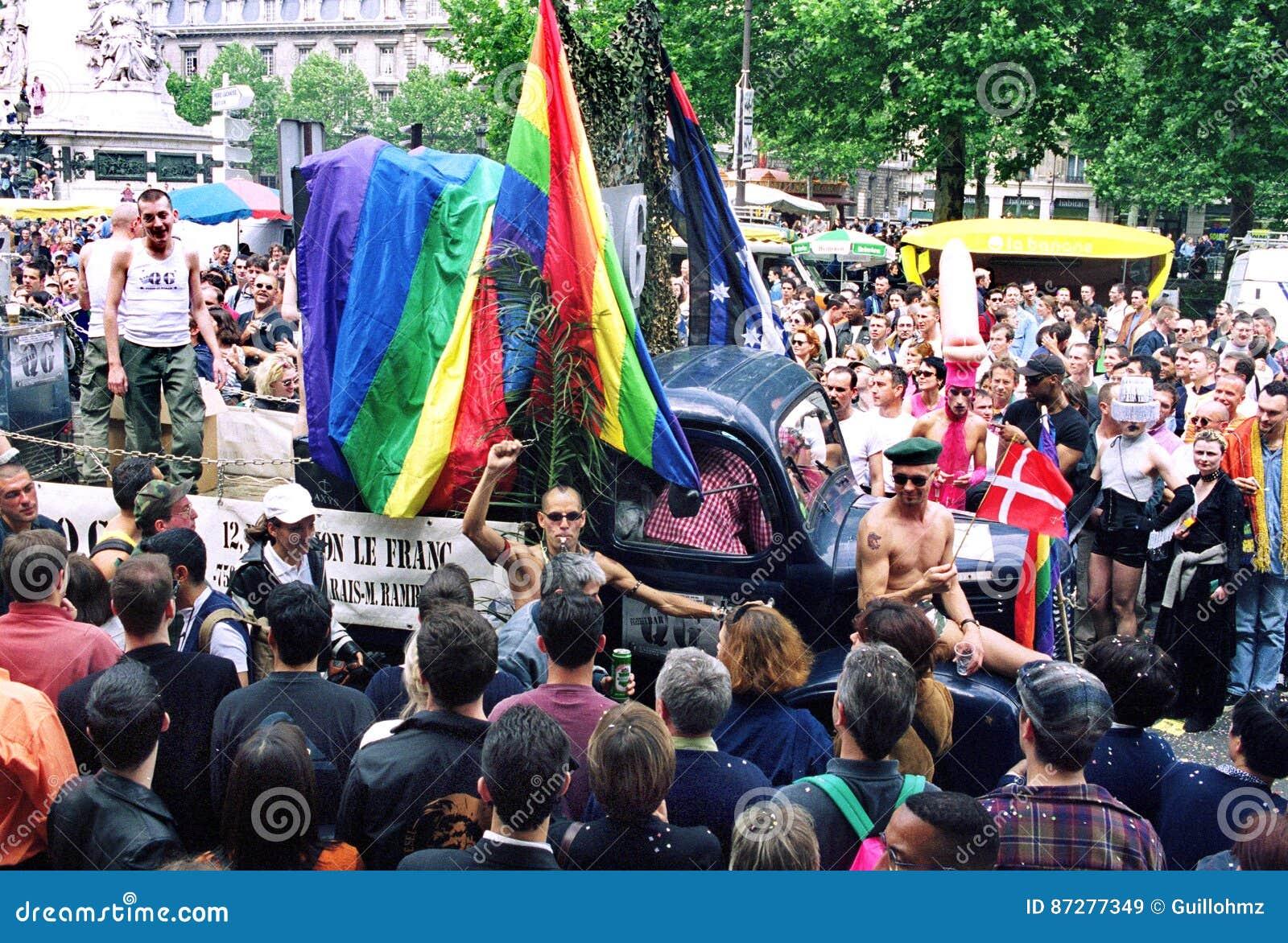 Ομοφυλοφιλική υπερηφάνεια στο Παρίσι