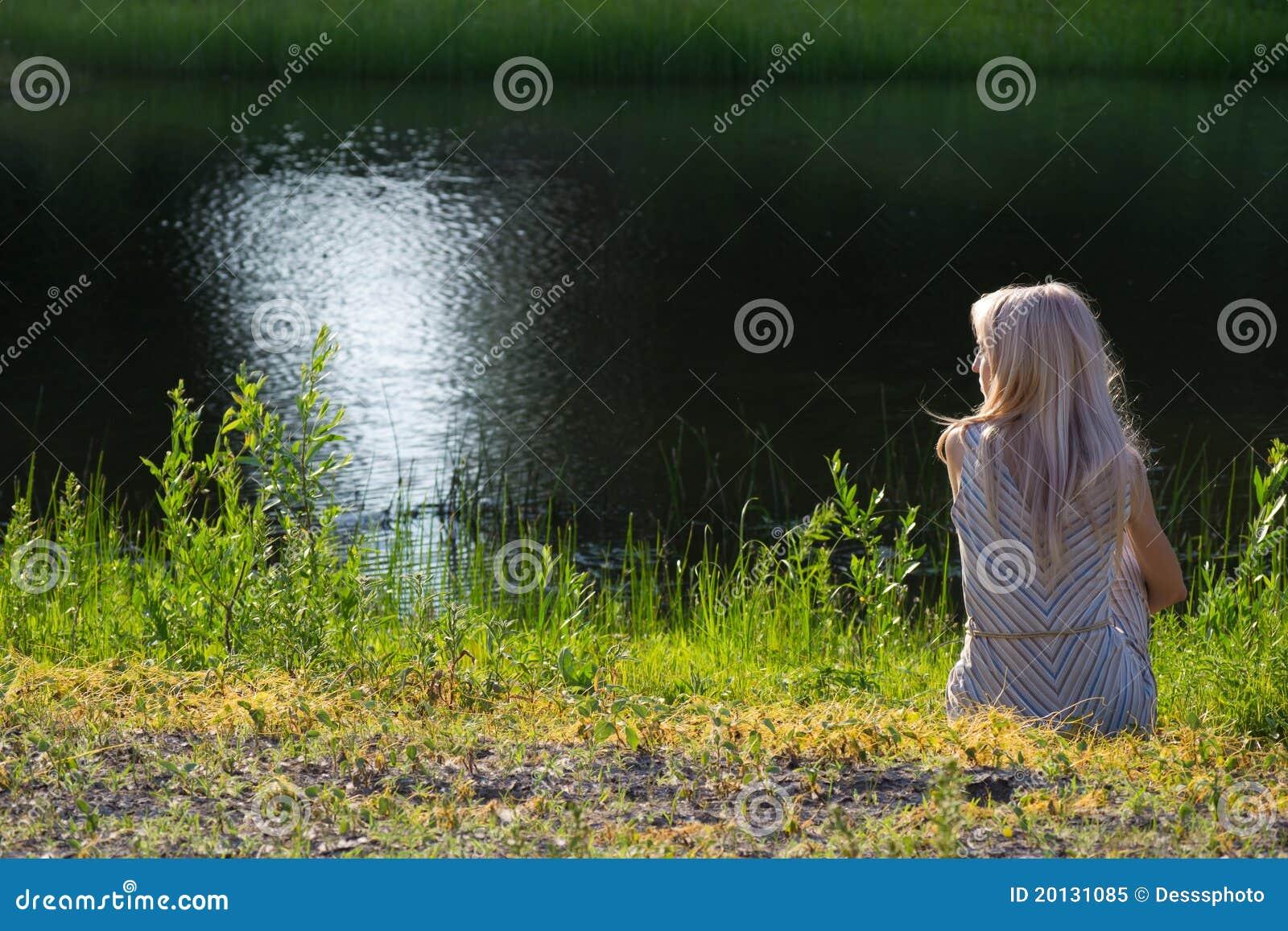 ονειρεμένος ακτή κοριτσ&