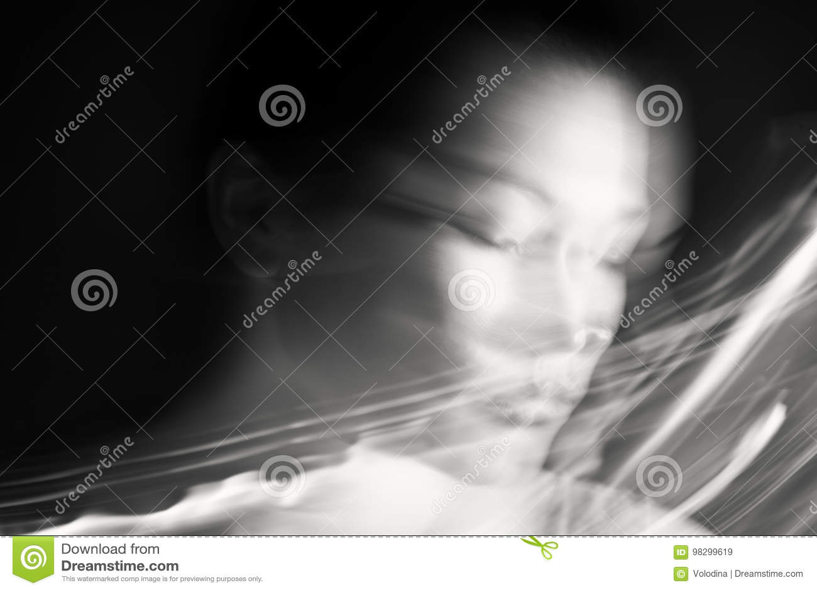 ονειρεμένος γυναίκα πορτρέτου