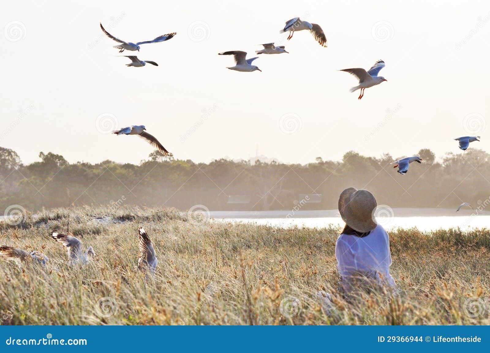 Γυναίκες αγαπούν μεγάλο πουλί