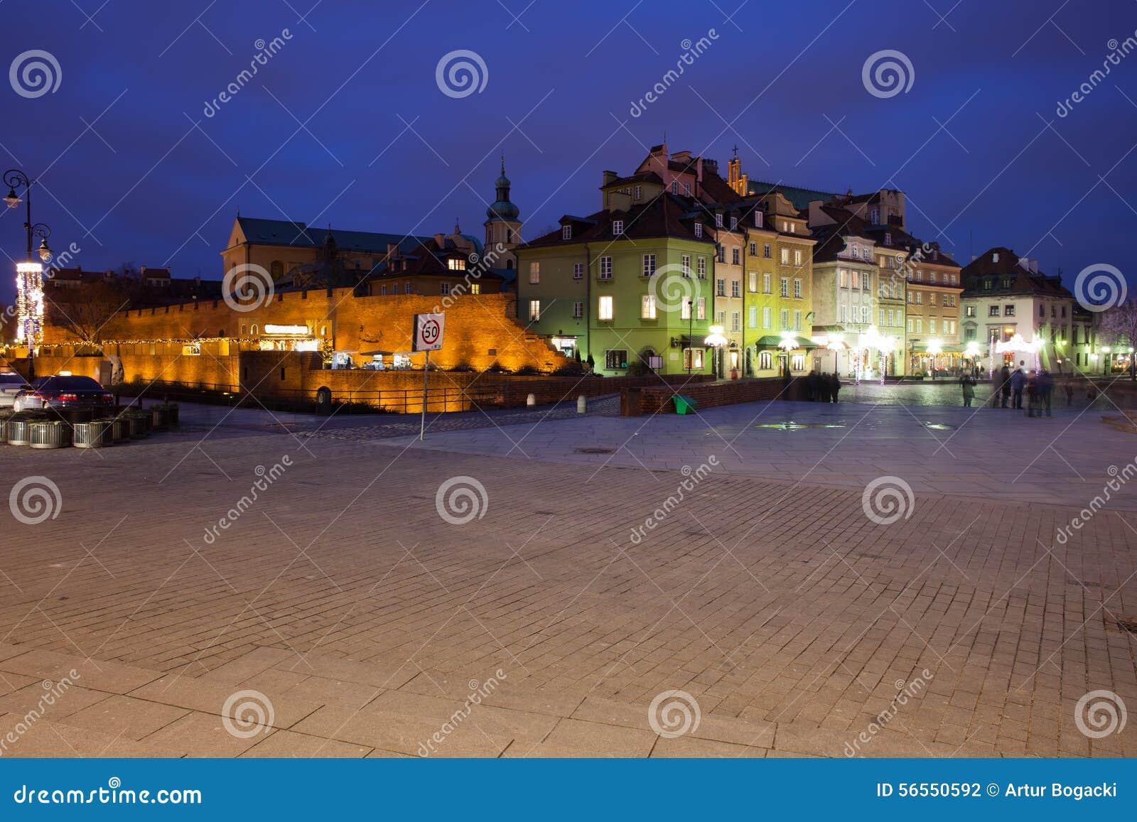 Download Ορίζοντας νύχτας της παλαιάς πόλης της Βαρσοβίας Στοκ Εικόνες - εικόνα από μνημείο, τετράγωνο: 56550592