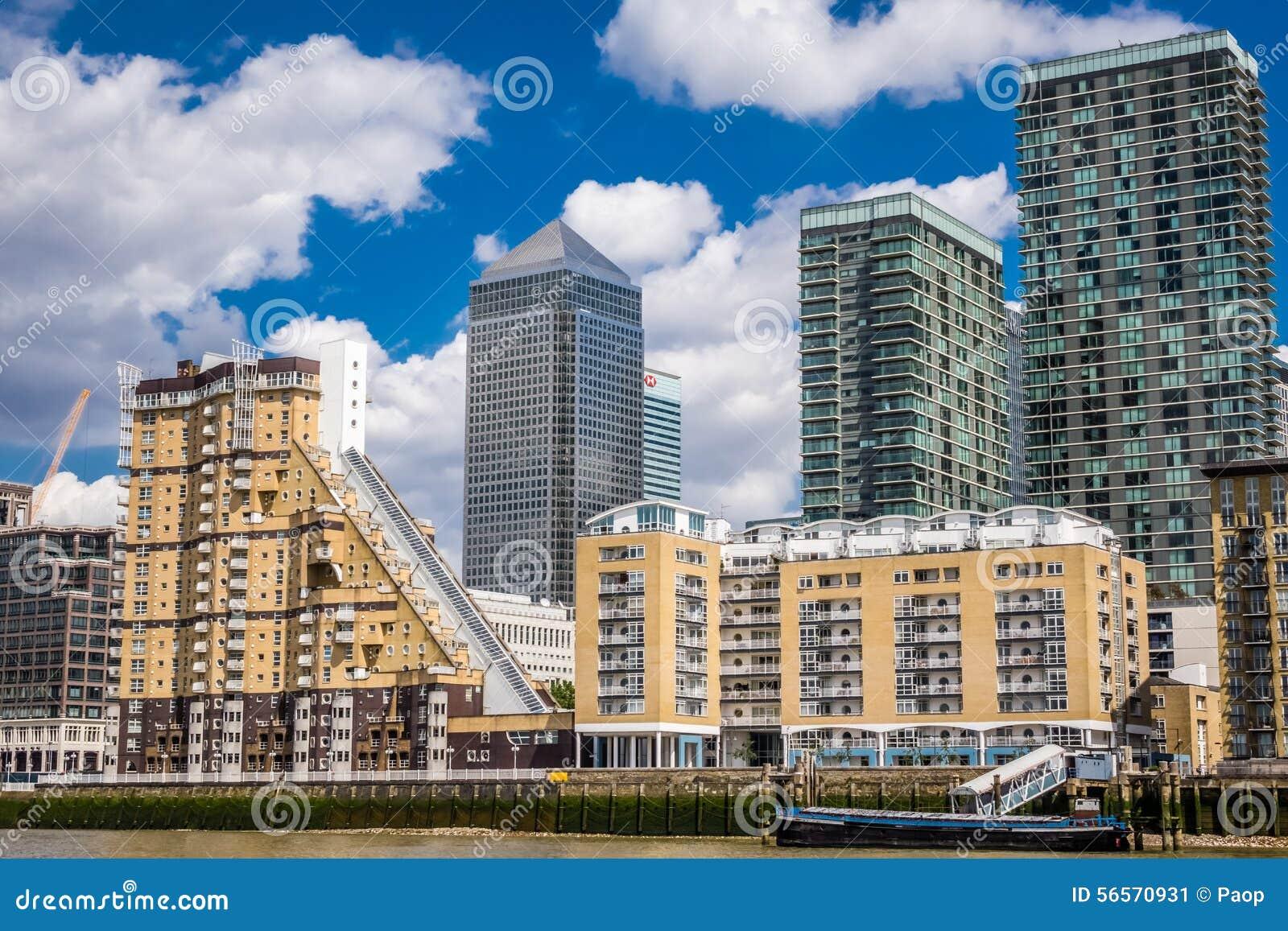 Download Ορίζοντας Canary Wharf εκδοτική εικόνες. εικόνα από συγκεκριμένος - 56570931