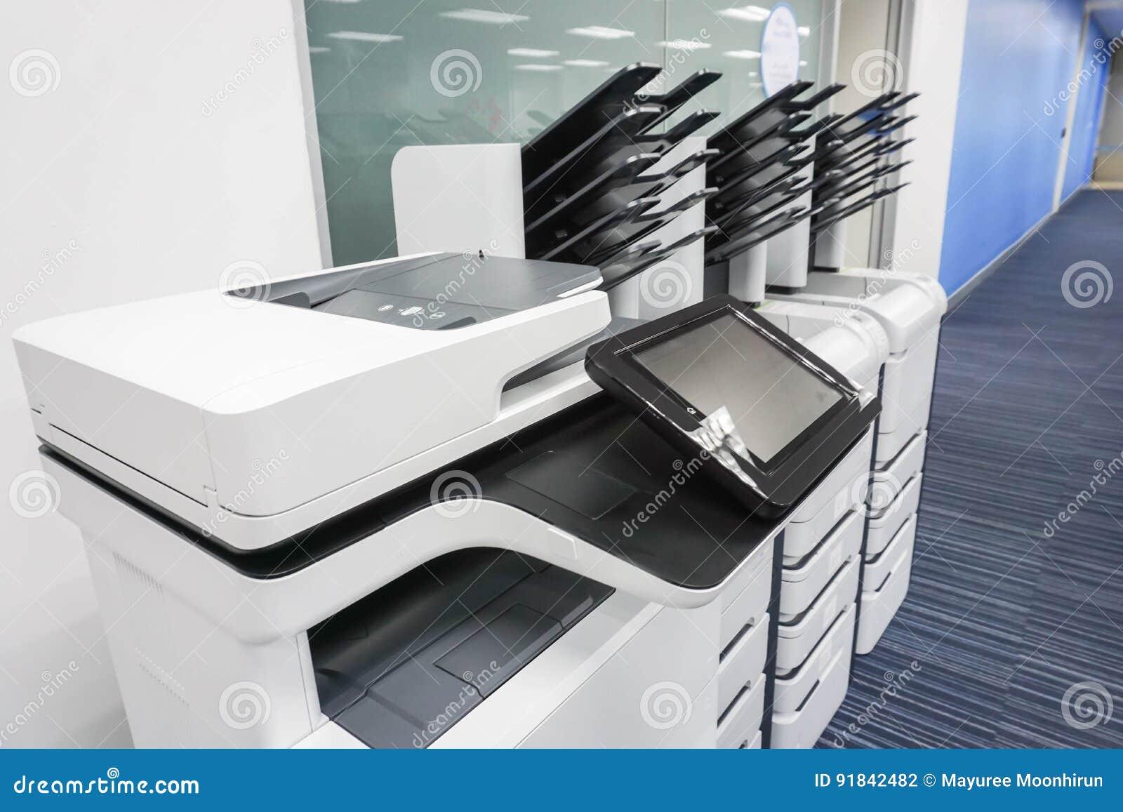 Οργάνωση εκτυπωτών γραφείων έτοιμη για τα επιχειρησιακά έγγραφα εκτύπωσης