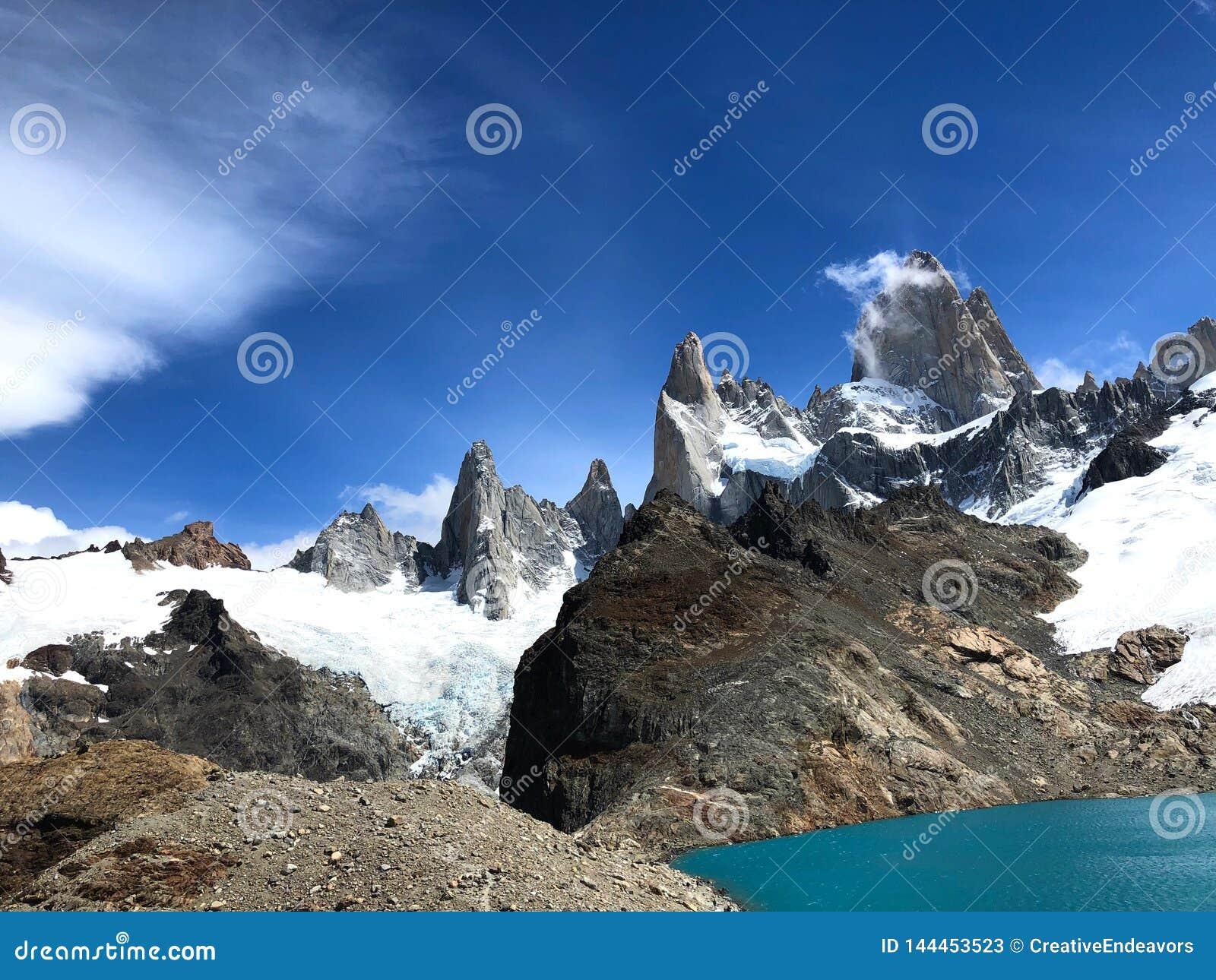 Ορεινός όγκος της Fitz Roy με Lago de Los Tres - EL Chalten, Αργεντινή