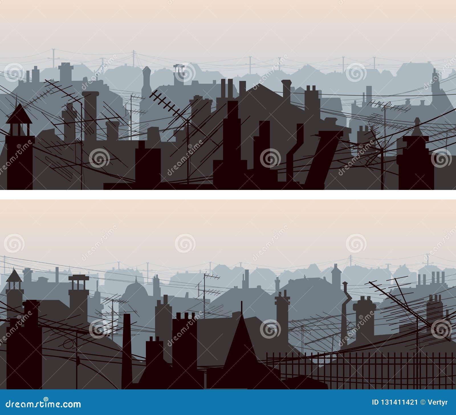 Οριζόντια εμβλήματα των στο κέντρο της πόλης στεγών με τις κεραίες και την καπνοδόχο